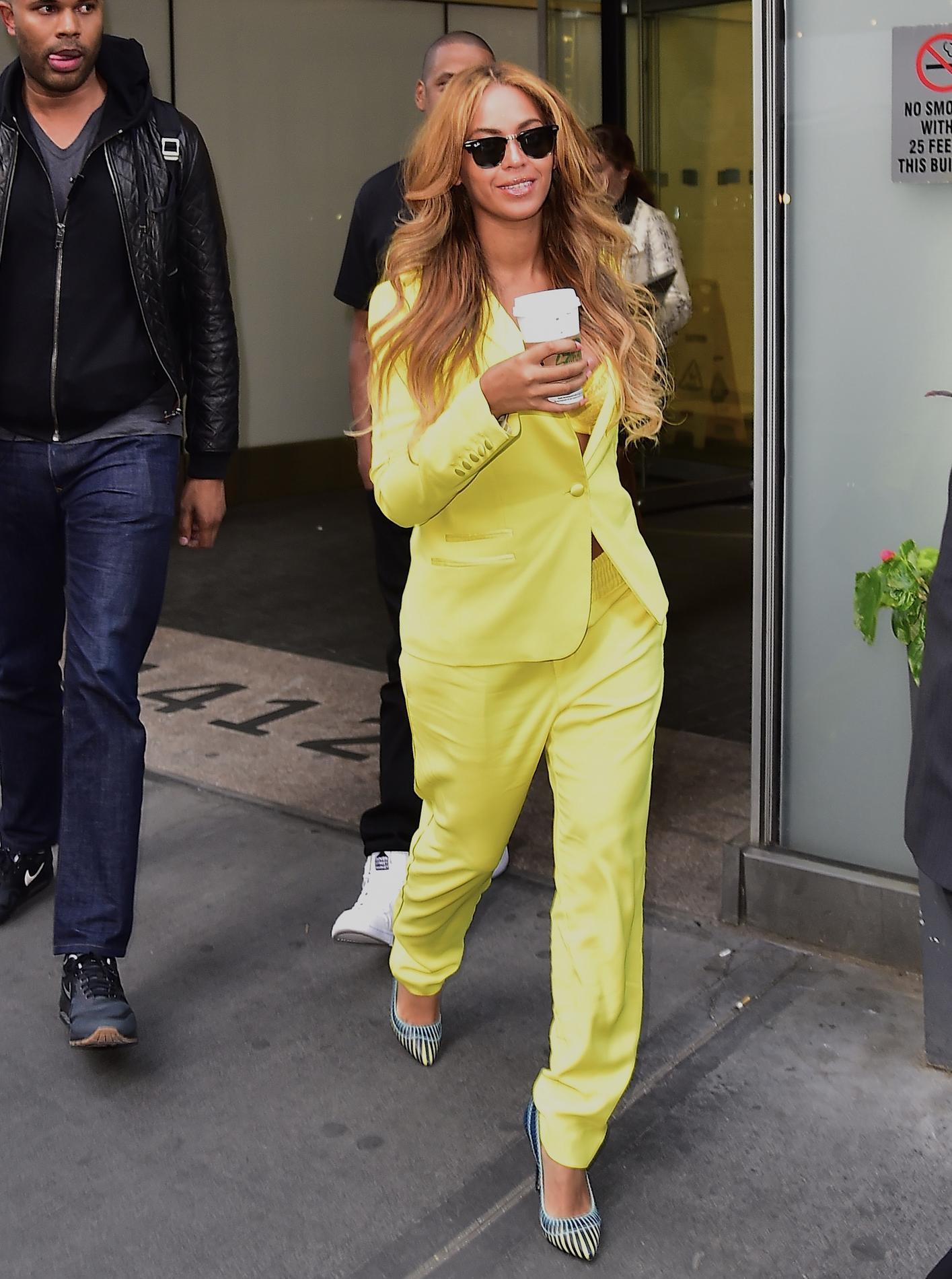 CFDA  Beyoncé consacrée icône mode 2016, tailleur jaune