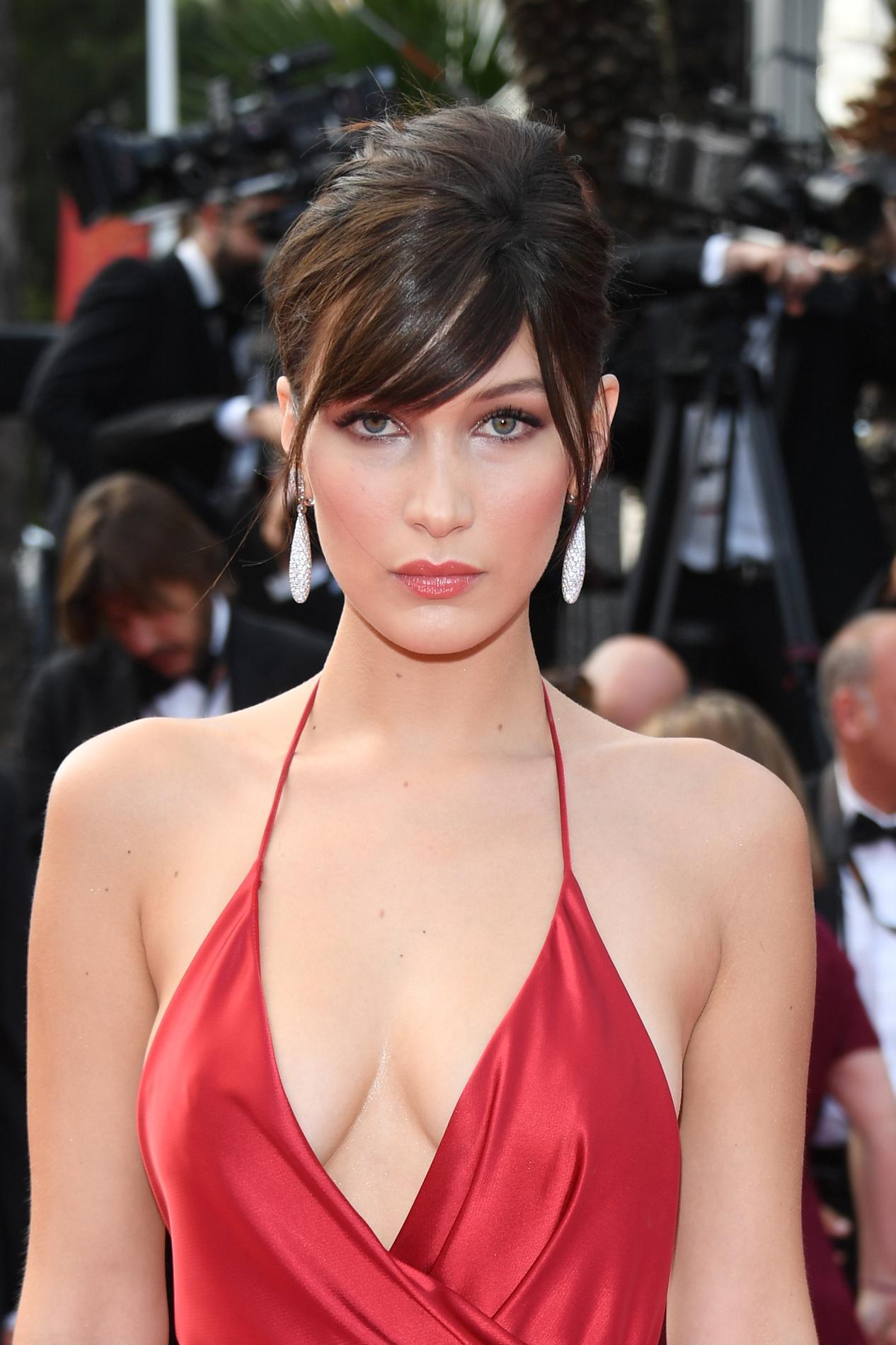 Elle a une robe magnifique - TuKifcom
