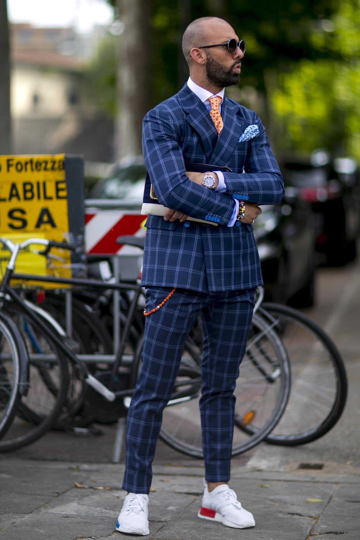 costume customisé Les hommes les plus stylés des défilés masculins  printemps,été 2017  la banane,harnais Les hommes les plus stylés des  défilés