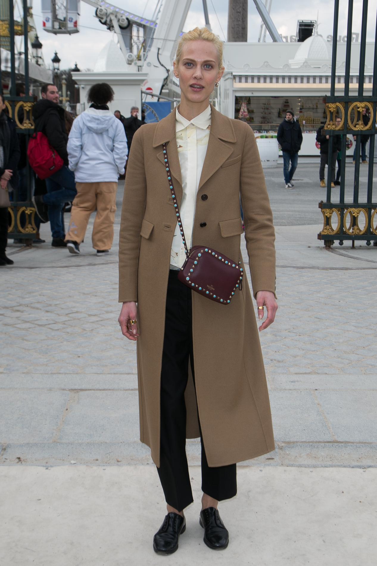 amp; Fétiche Le Vanda Gabbana Les Sac Balenciaga Stars Leur Papier Et De Dolce xXx4IqP
