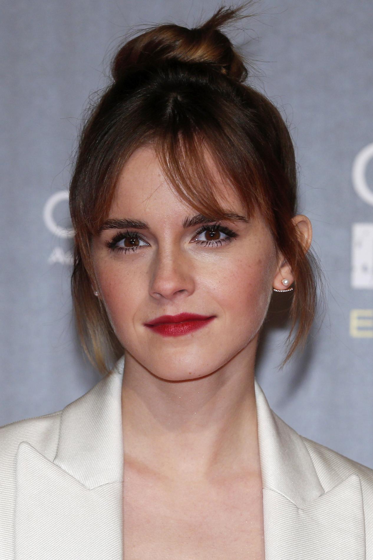 Photo Getty Images Cinq façons de réinventer son chignon bun  Emma Watson