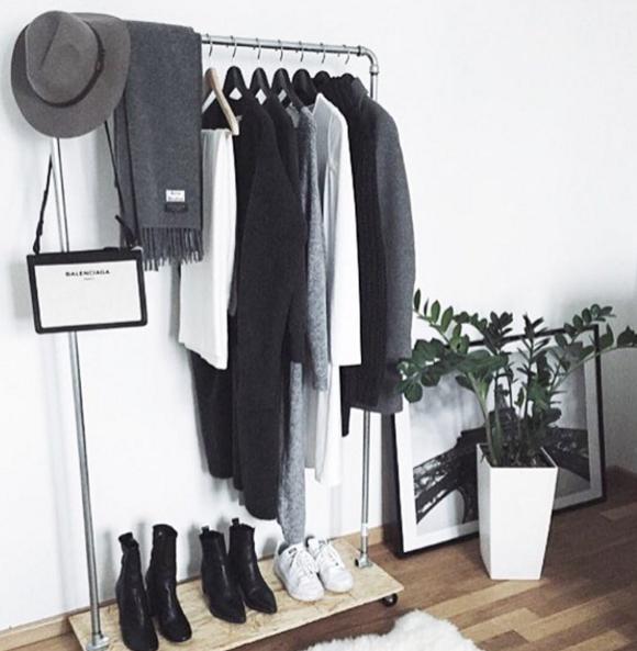 la garde robe minimaliste simplifiez vous la vie gr ce vos. Black Bedroom Furniture Sets. Home Design Ideas