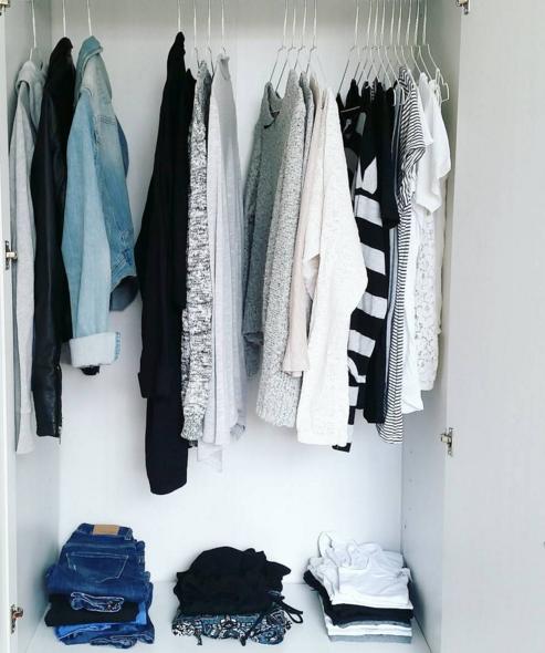la garde robe minimaliste simplifiez vous la vie gr ce vos v tements madame figaro. Black Bedroom Furniture Sets. Home Design Ideas