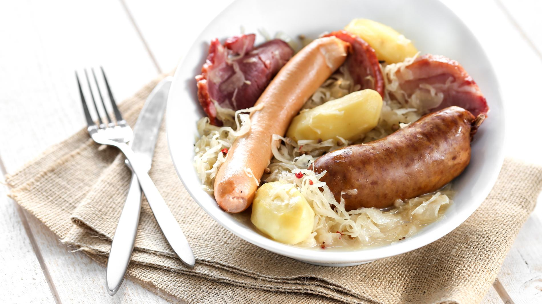 Recettes cuisine alsacienne recettes faciles et rapides cuisine madame figaro - Kouglof alsacien recette en video cuisine ...