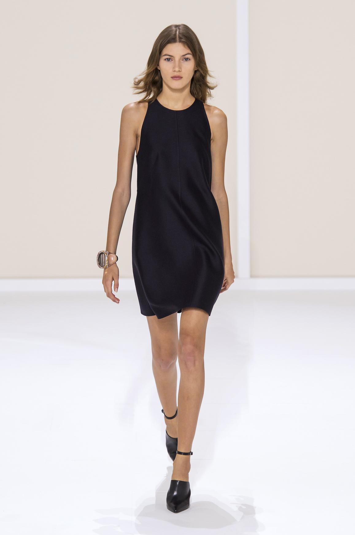 la petite robe noire la pi ce mode de l t madame figaro. Black Bedroom Furniture Sets. Home Design Ideas