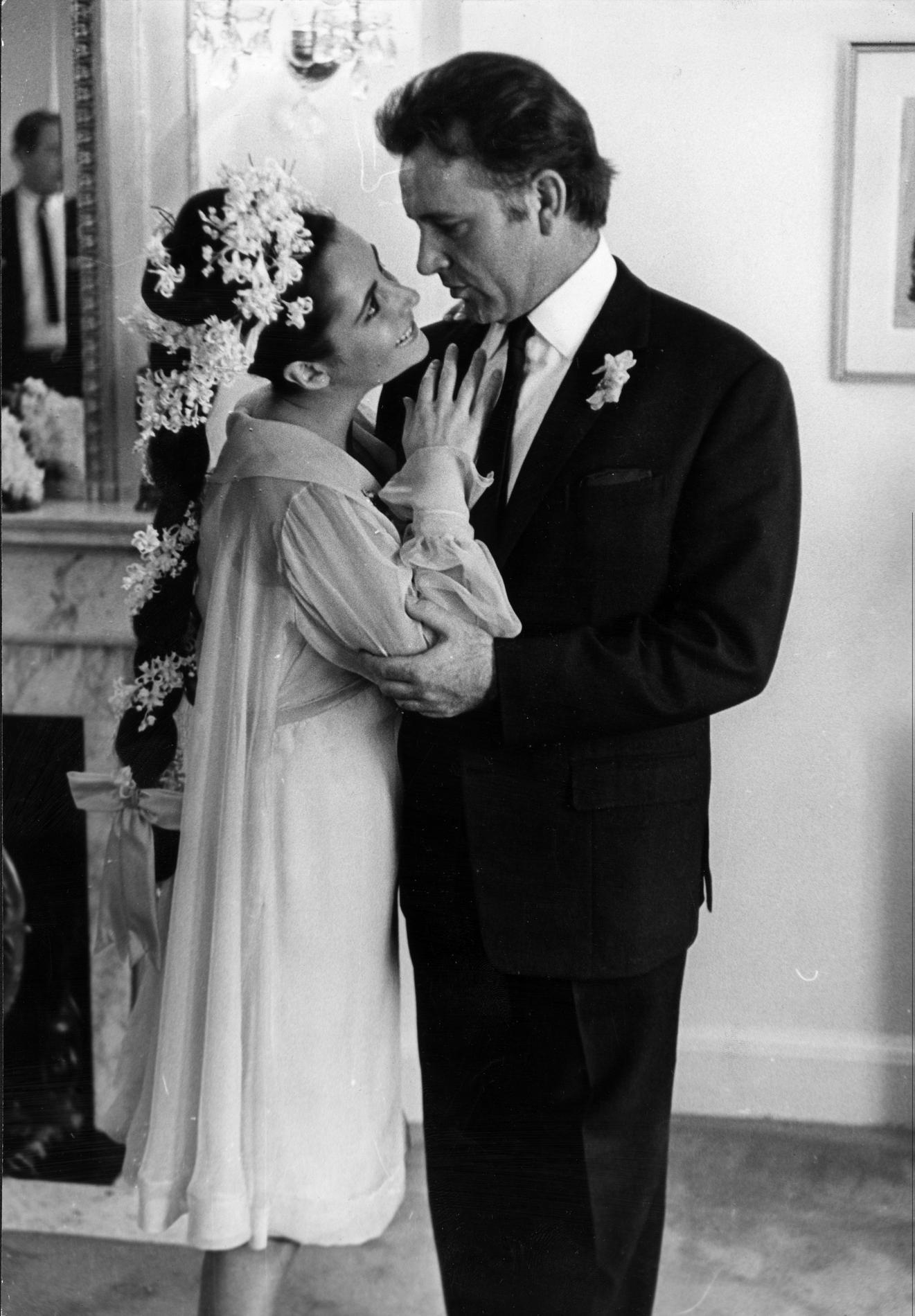 Les plus belles coiffures de mariage des stars madame figaro - Les plus belle coiffure de mariage ...