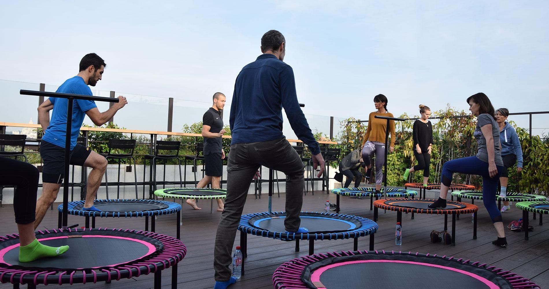le mini trampoline nouvel accessoire de sport domicile. Black Bedroom Furniture Sets. Home Design Ideas