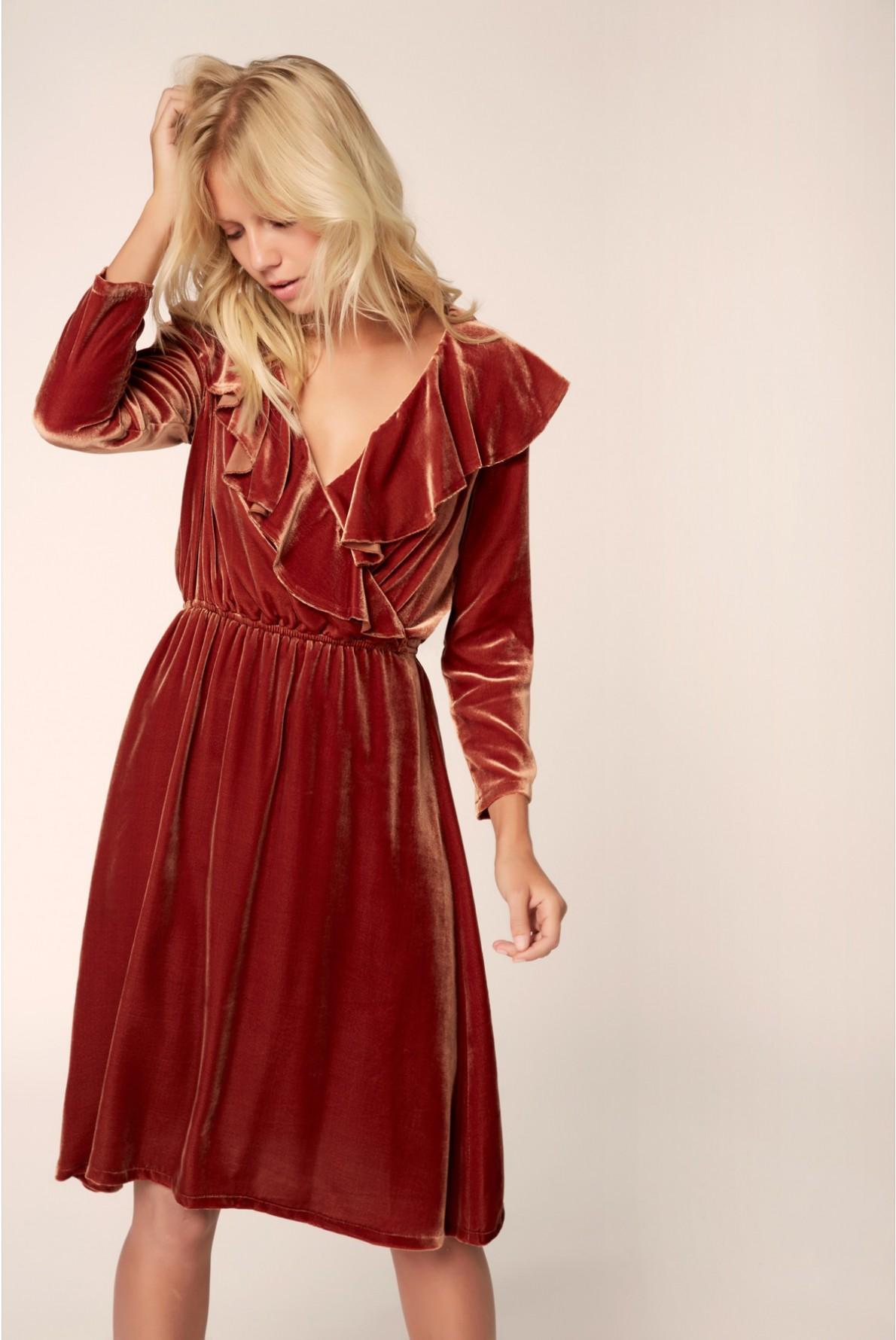 Robe pour invit e mariage fashion designs for Comment s habiller pour un mariage d automne
