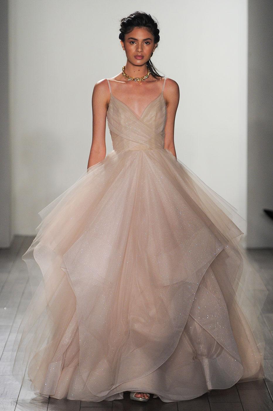 Robe de mariée : les tendances repérées à la Bridal Week de New ...