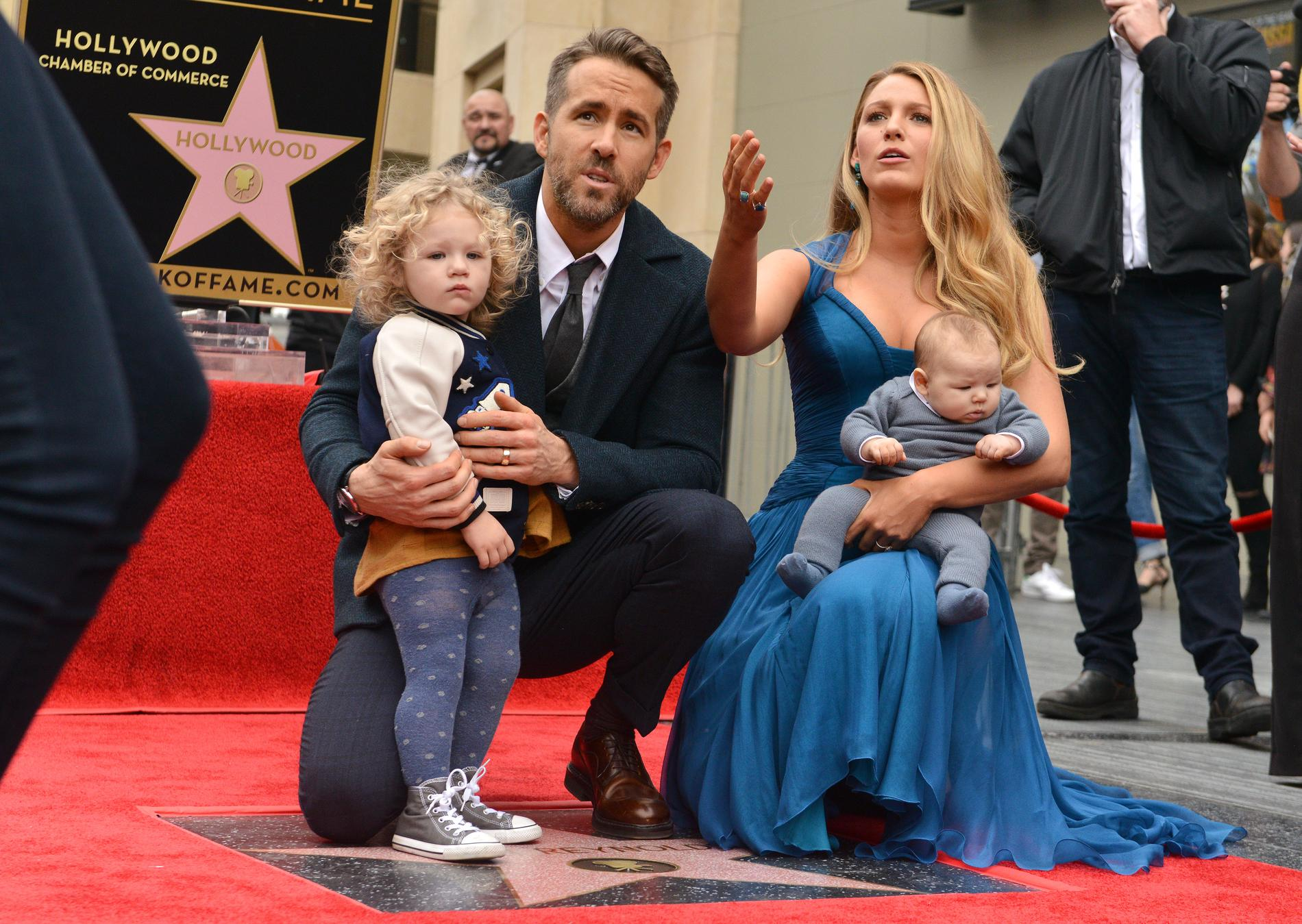 blake lively et ryan reynolds leurs enfants font leur. Black Bedroom Furniture Sets. Home Design Ideas