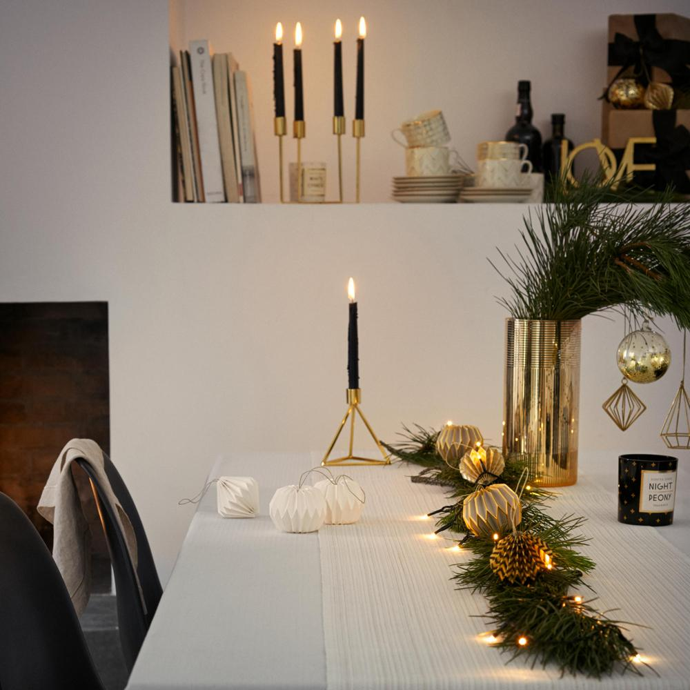 decoration de noel table free with decoration de noel table elegant table de nol ides. Black Bedroom Furniture Sets. Home Design Ideas