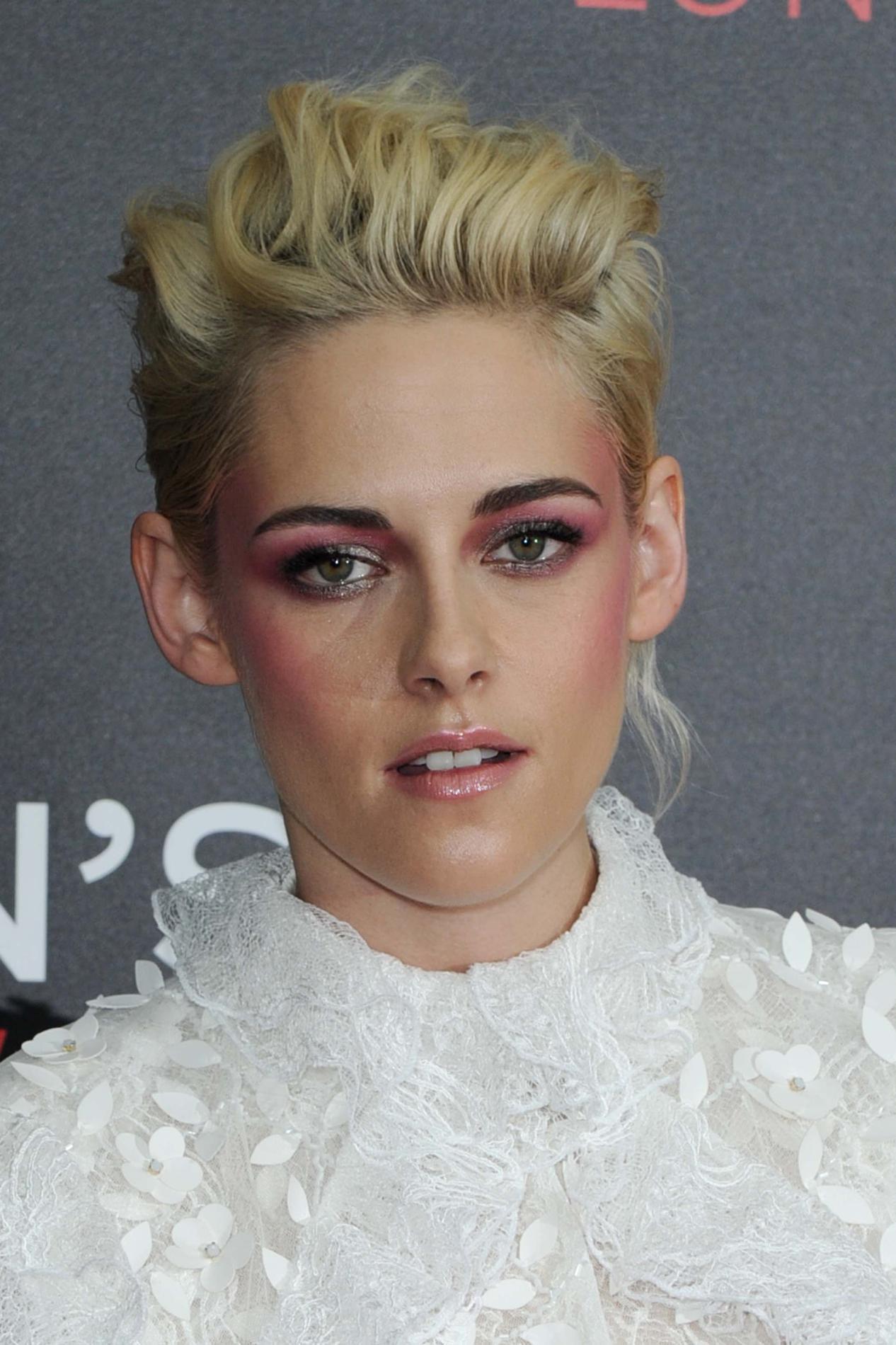 Kristen stewart l 39 volution coiffure d 39 une audacieuse madame figaro - Coupe garconne fille ...