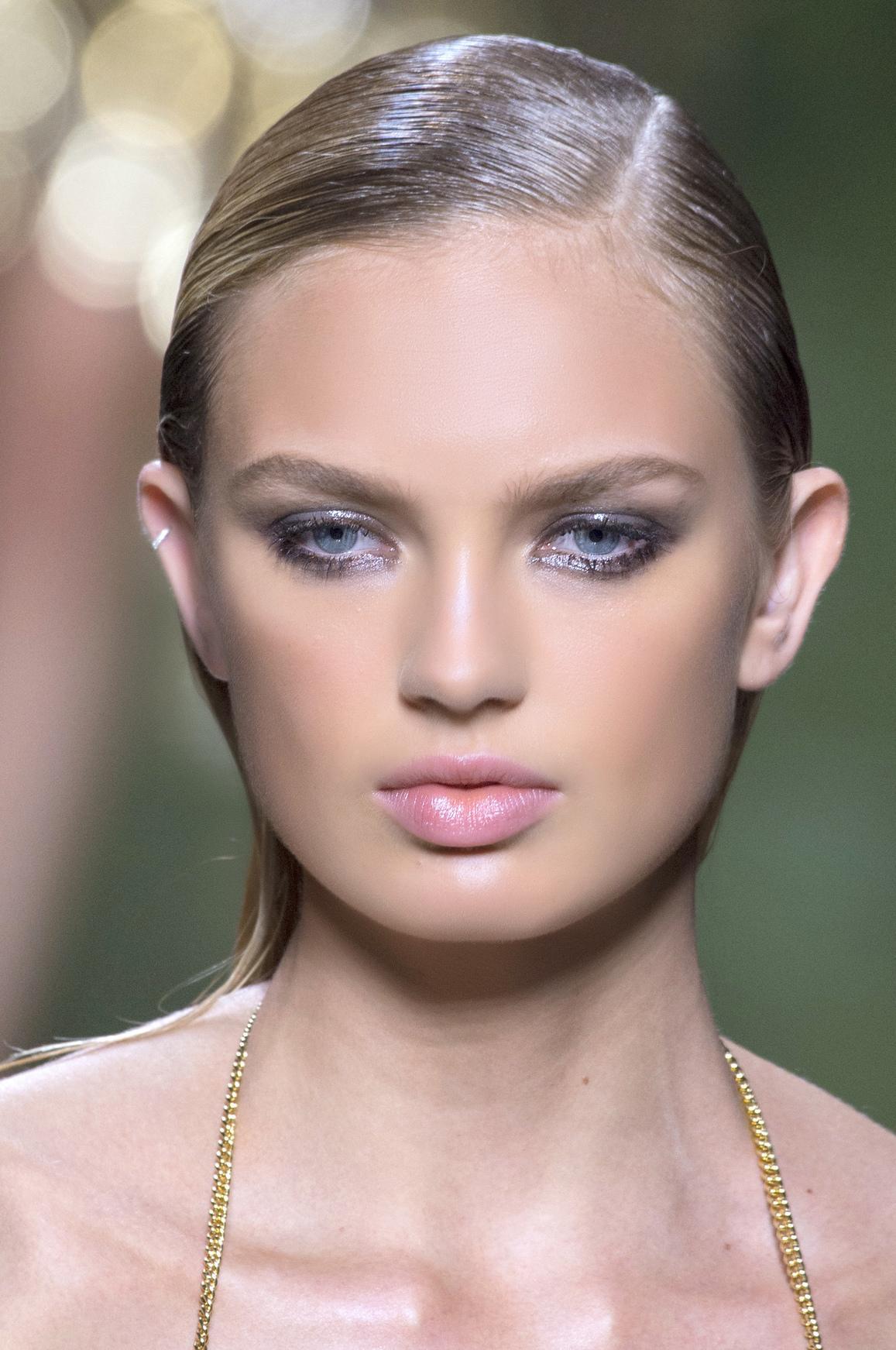 Quelles couleurs de maquillage choisir quand on a les yeux - Make up yeux bleu ...