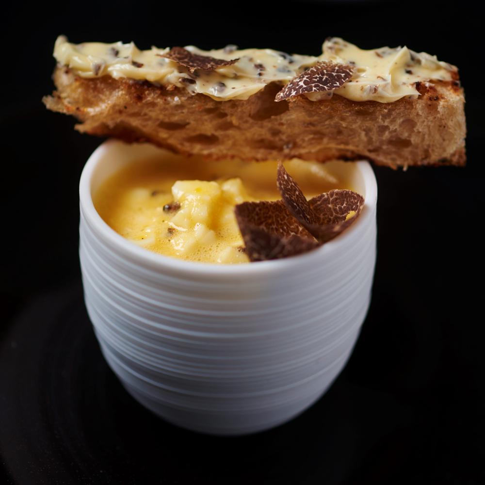 nos plus belles recettes base de truffe pour un r veillon renversant cuisine madame figaro. Black Bedroom Furniture Sets. Home Design Ideas