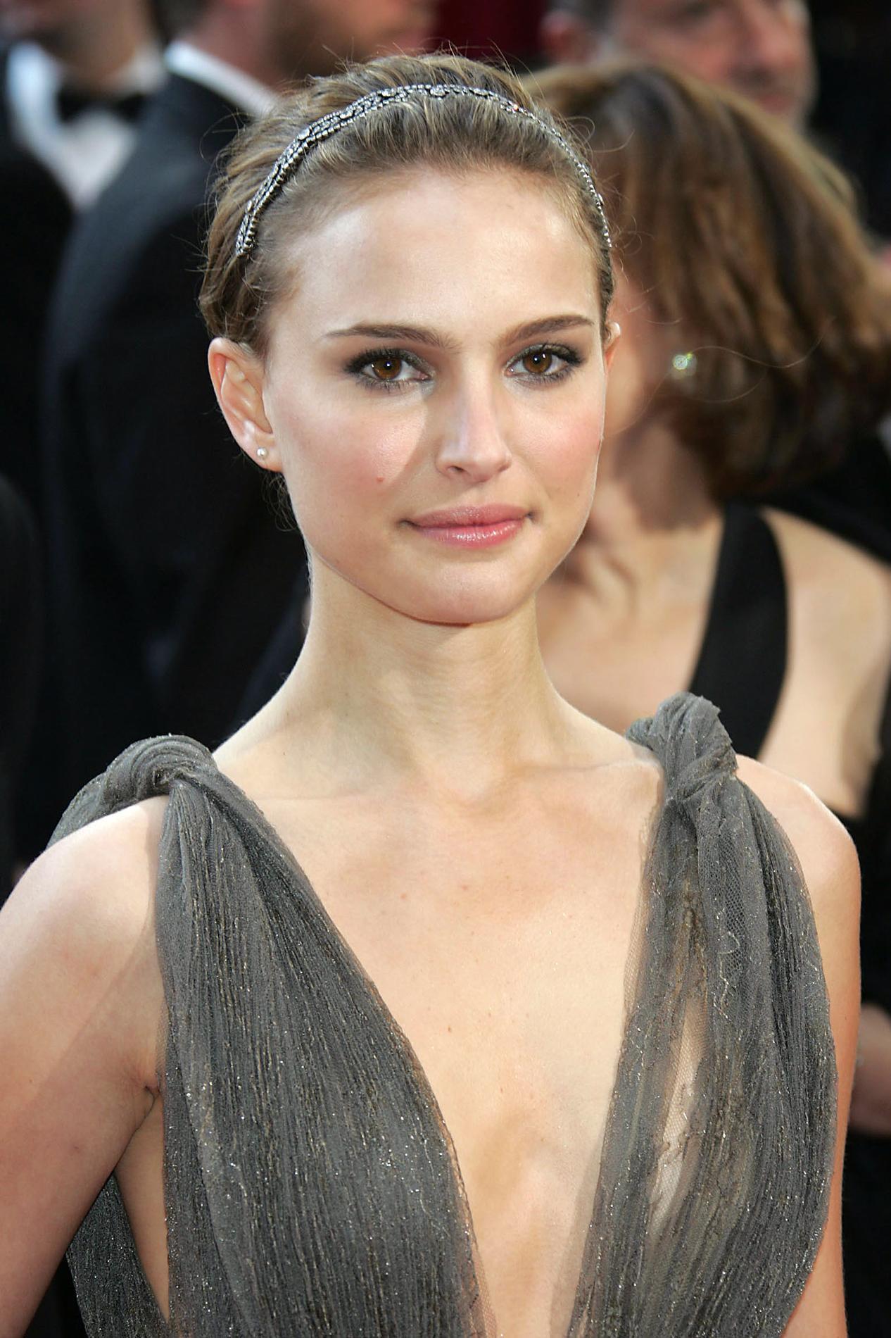 Pour Miss Dior Natalie Portman Et Sia Nous 233 Lectrisent