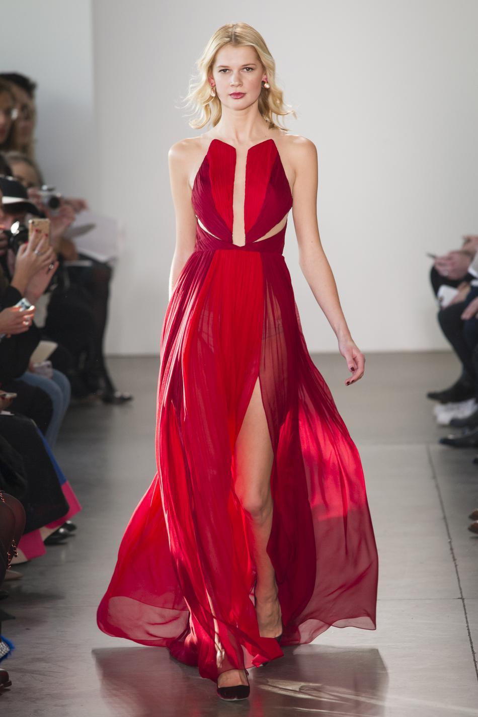 ... ces robes qui font rêver - Valentino Fashion Week automne-hiver  2017-2018   ces robes qui font rêver - Oscar de la Renta Fashion Week  automne-hiver ... bff4d96572f