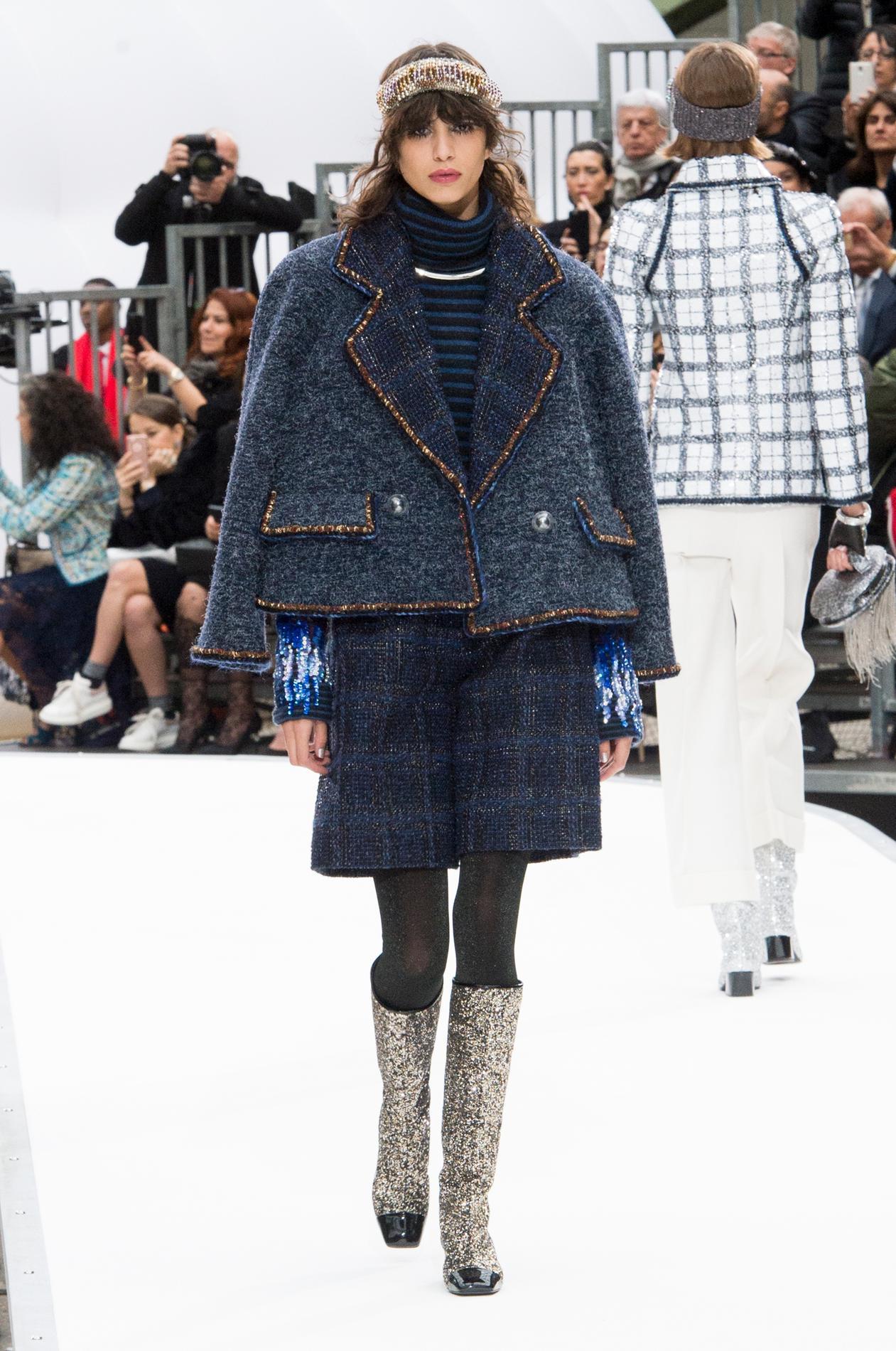 Défilé Chanel automne,hiver 2017,2018, Paris , Look 61.