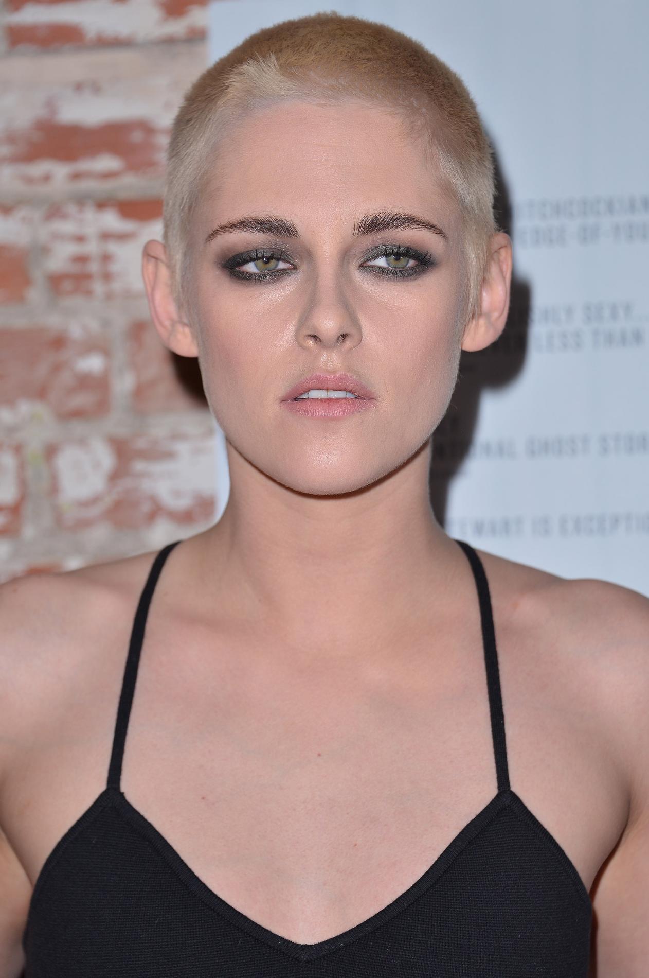 Kristen Stewart  ses coiffures les plus emblématiques , la coupe G.I.