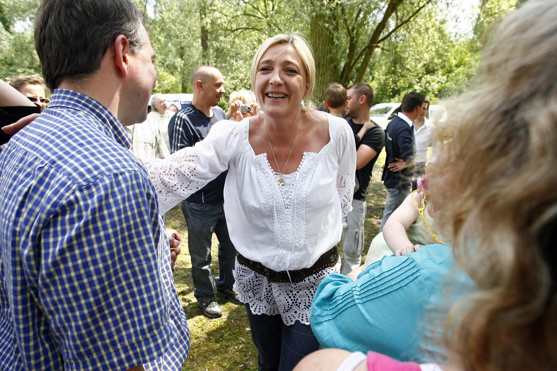 Marine Le Pen Jehanne Chauffroy R 233 Sultats Aol De La