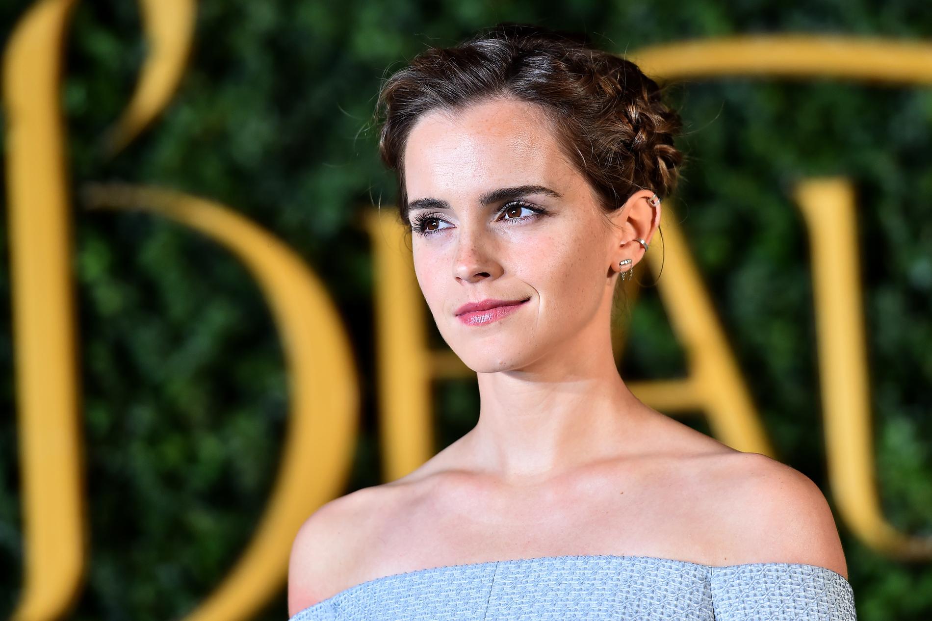 Boucles Coupe Twiggy Et Chignons  Les Plus Belles Coiffures Du0026#39;Emma Watson - Madame Figaro