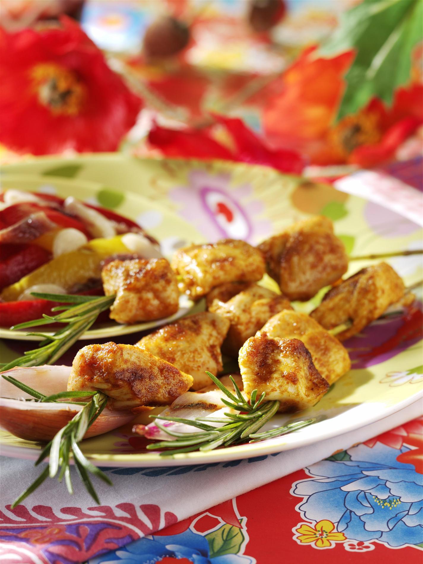 recette brochettes de poulet marin au paprika cuisine madame figaro. Black Bedroom Furniture Sets. Home Design Ideas