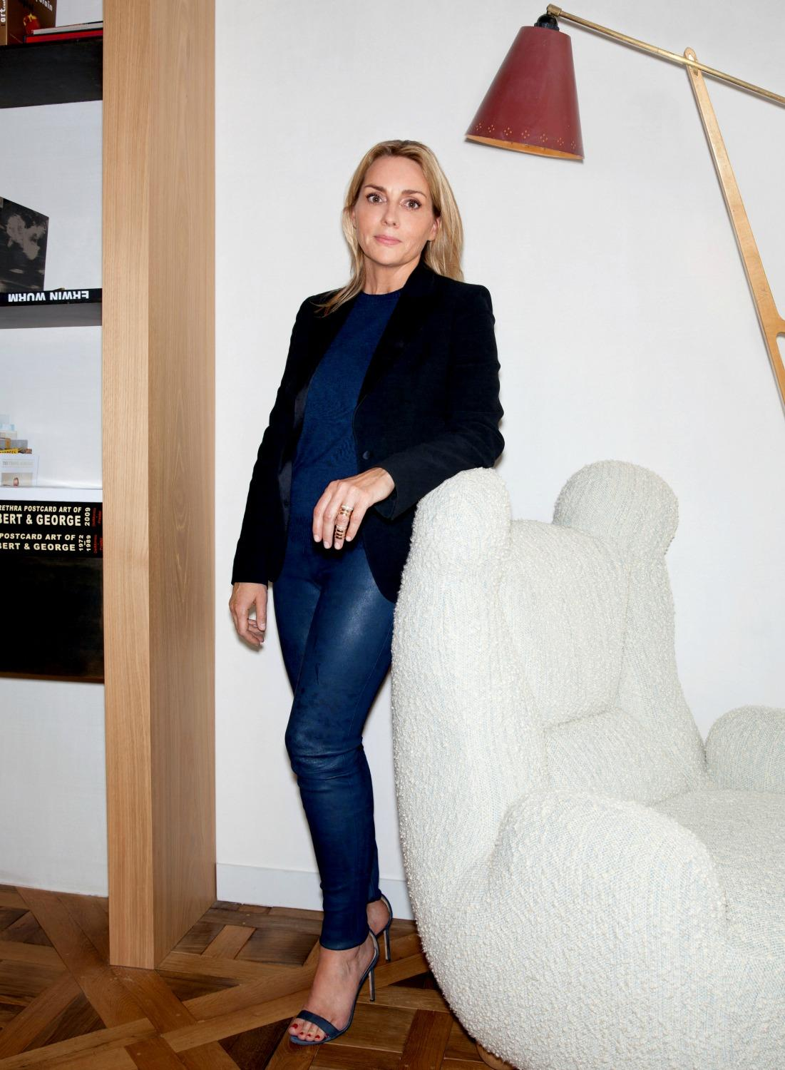 les secrets d 39 isabelle dubern pour s 39 habiller au travail madame figaro. Black Bedroom Furniture Sets. Home Design Ideas