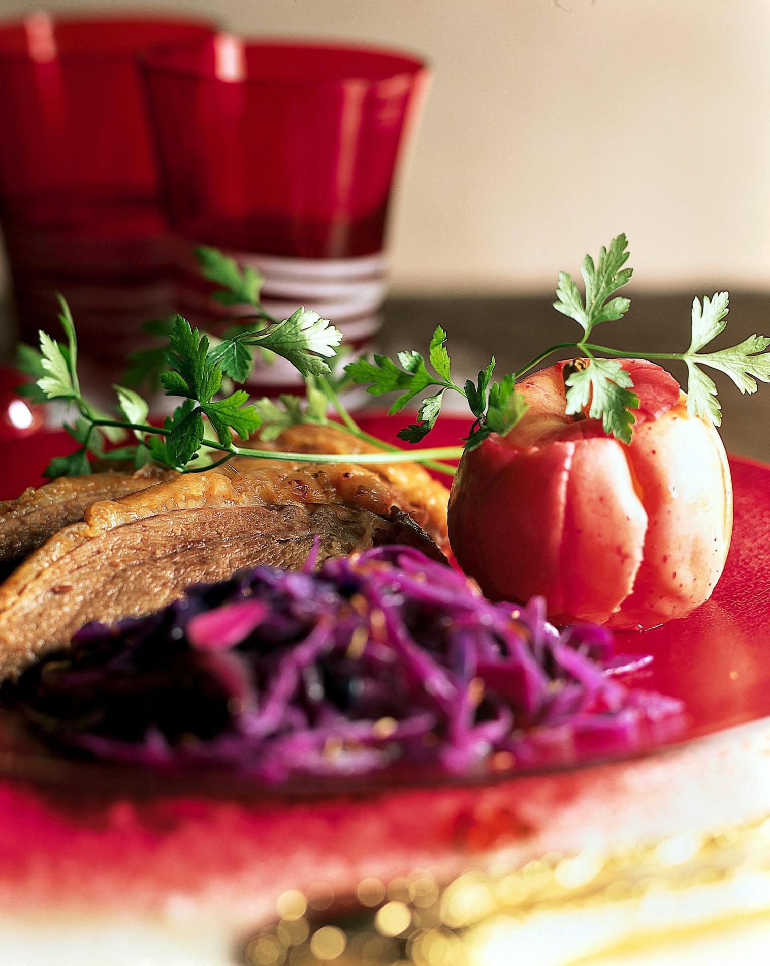 recette oie r tie aux pommes et chou rouge cuisine madame. Black Bedroom Furniture Sets. Home Design Ideas