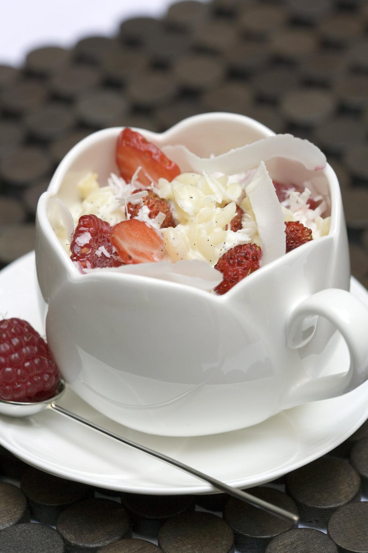 recette p 226 tes au lait de coco et fruits rouges cuisine