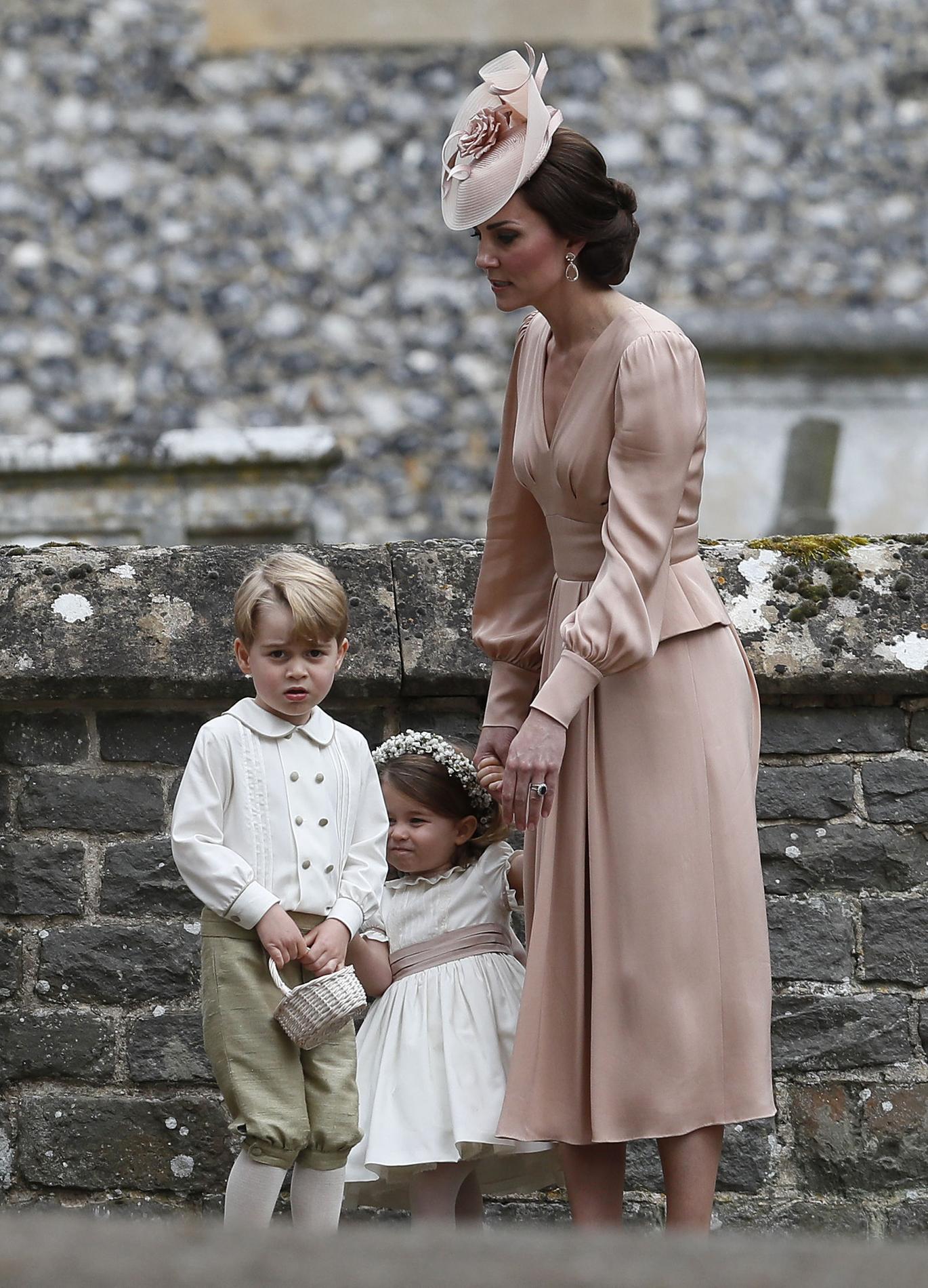 Kate Middleton  mère attentive et sœur bienveillante