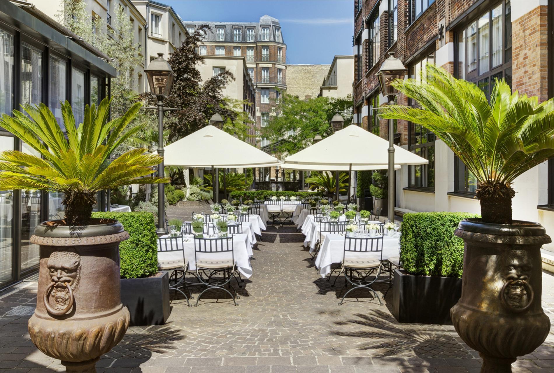 Banqtet Hotel De Ville Paris