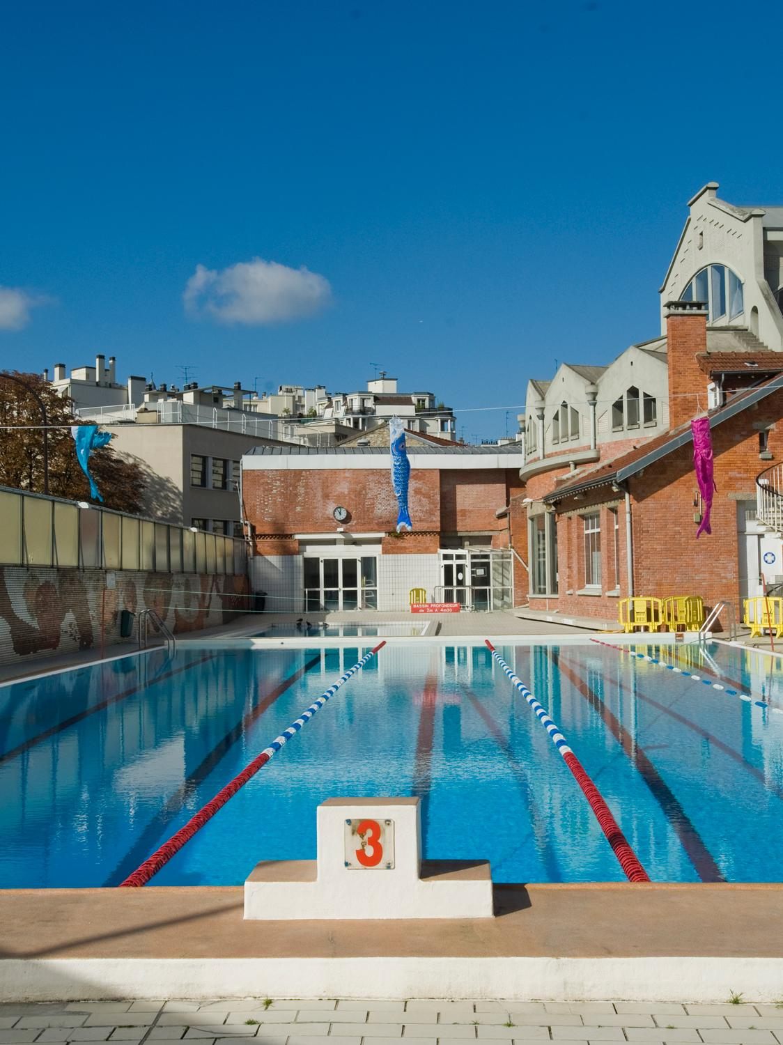 Les piscines de plein air paris pour nager ou pour for Piscine 75019