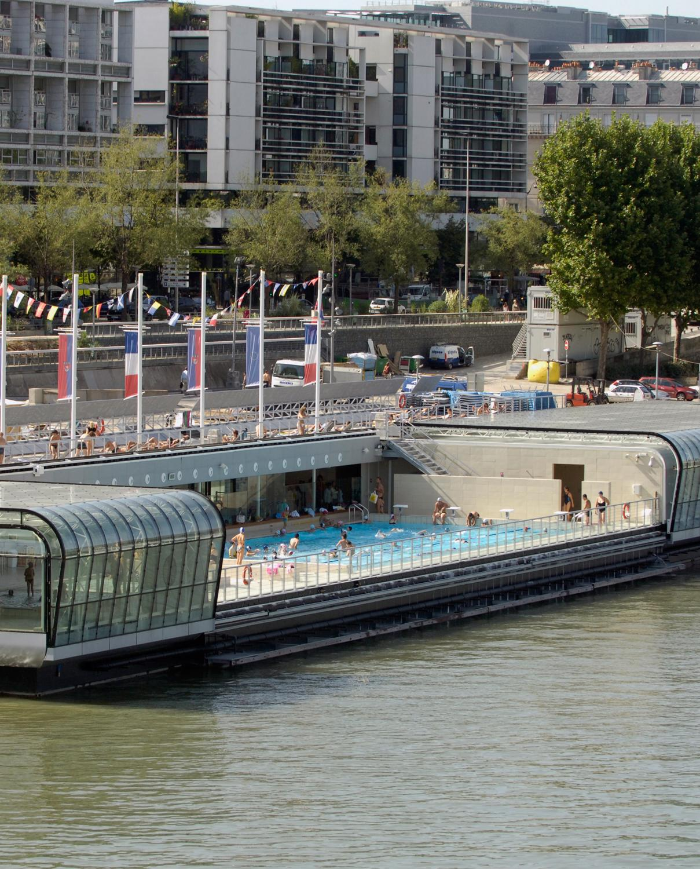 Les piscines de plein air paris pour nager ou pour for Piscine josephine baker