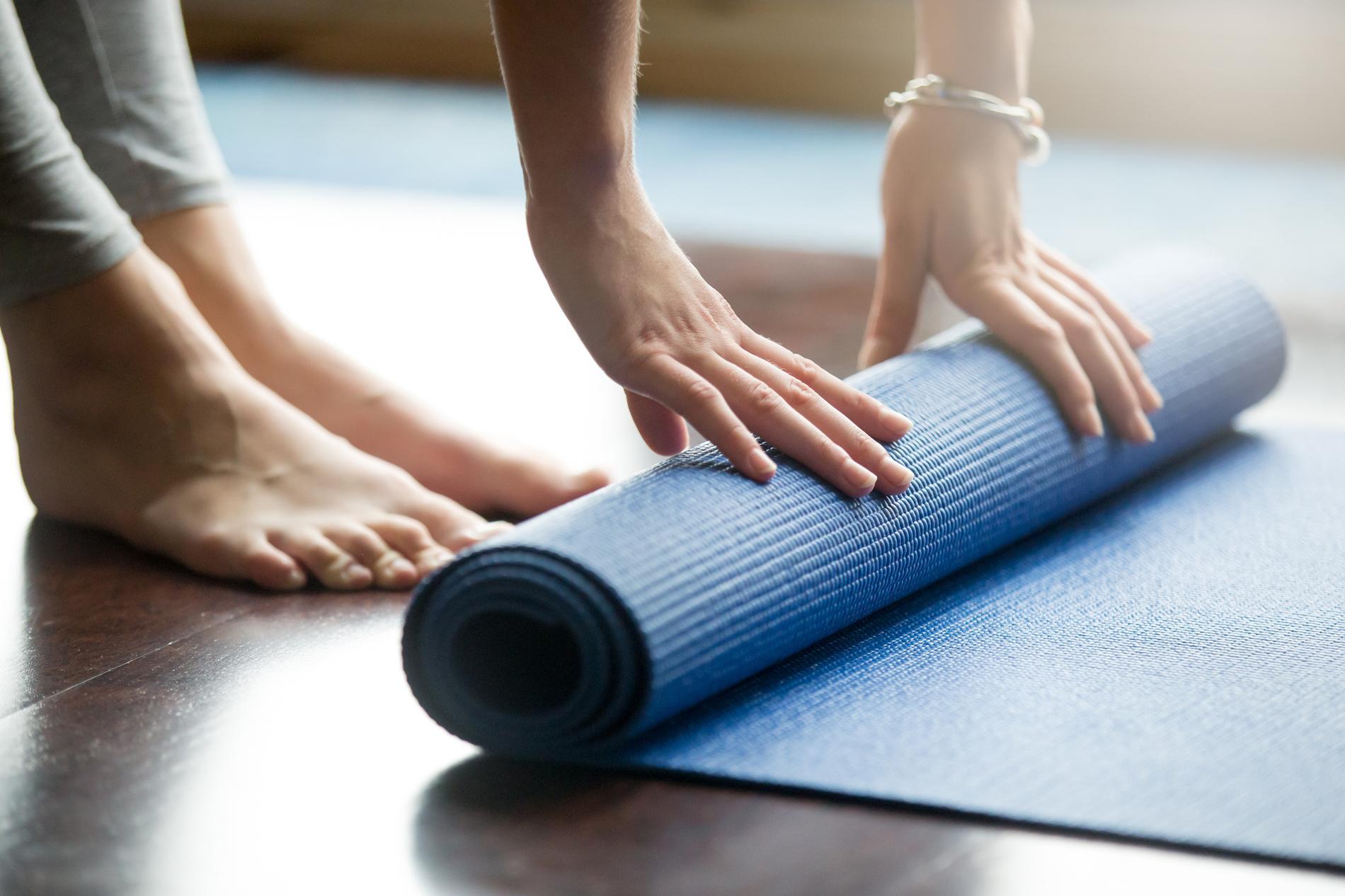 De nombreux critères rentrent en compte dans le choix de son tapis de yoga. 7dd386d402a