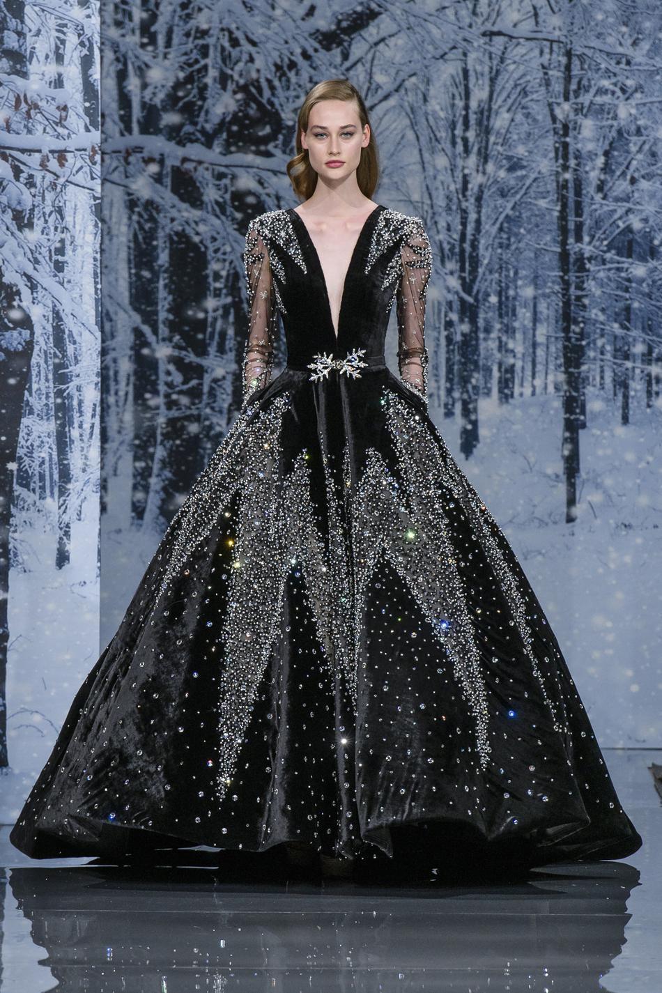 Couture de robe de soiree