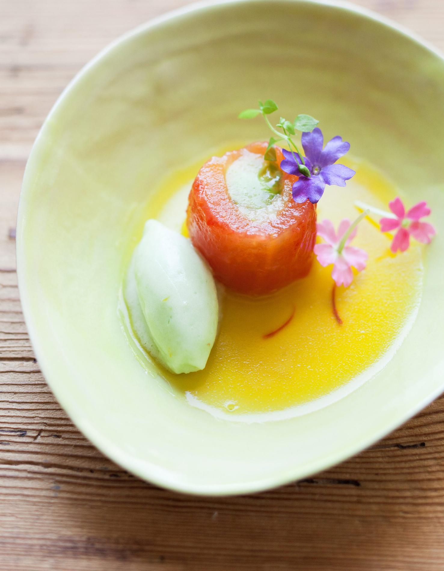 Recette amuse bouche de tomate et concombre du potager cuisine madame figaro - Recette amuse bouche rapide ...
