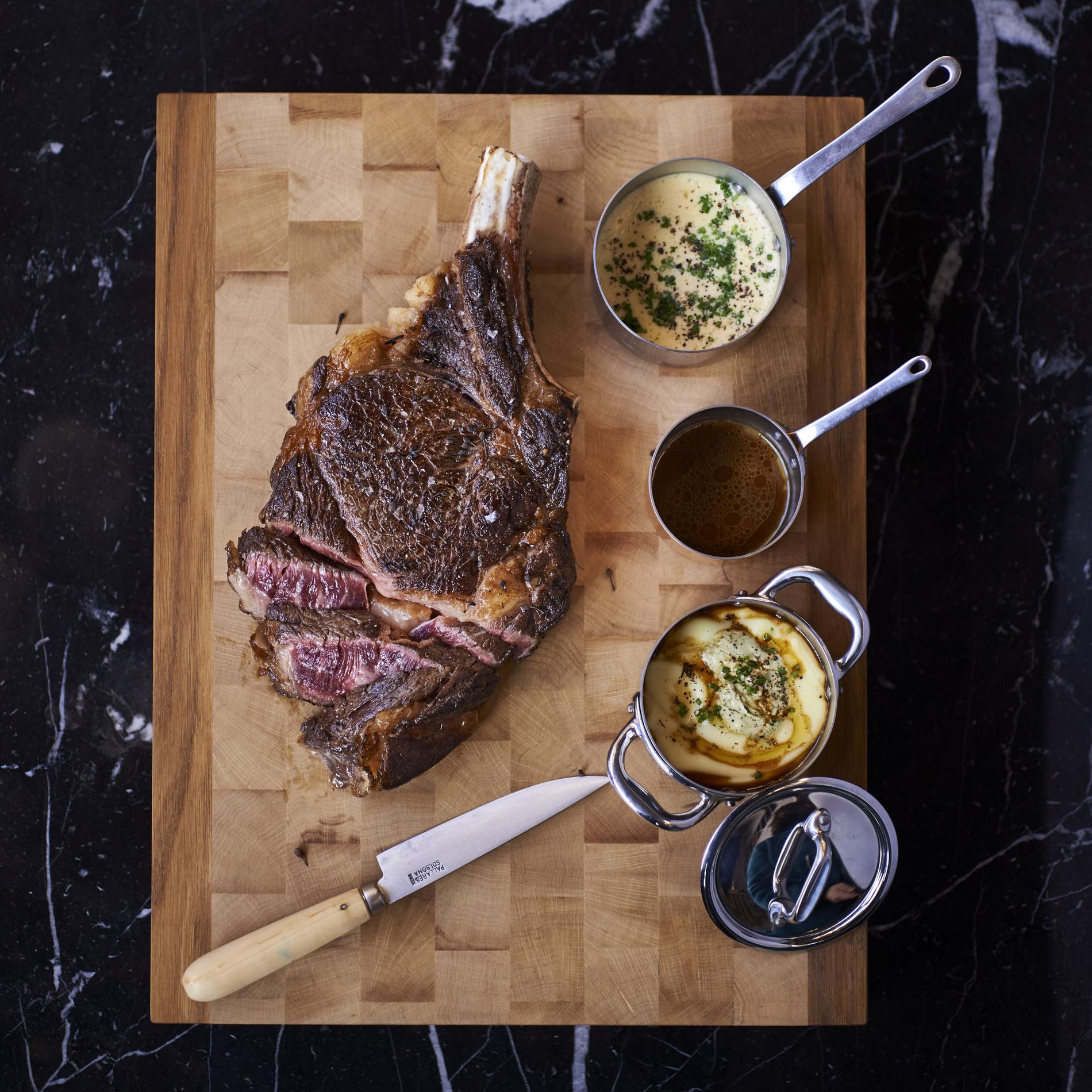 Recette c te de b uf et sauce hollandaise au poivre sauvage cuisine madame figaro - Duree cuisson cote de boeuf ...