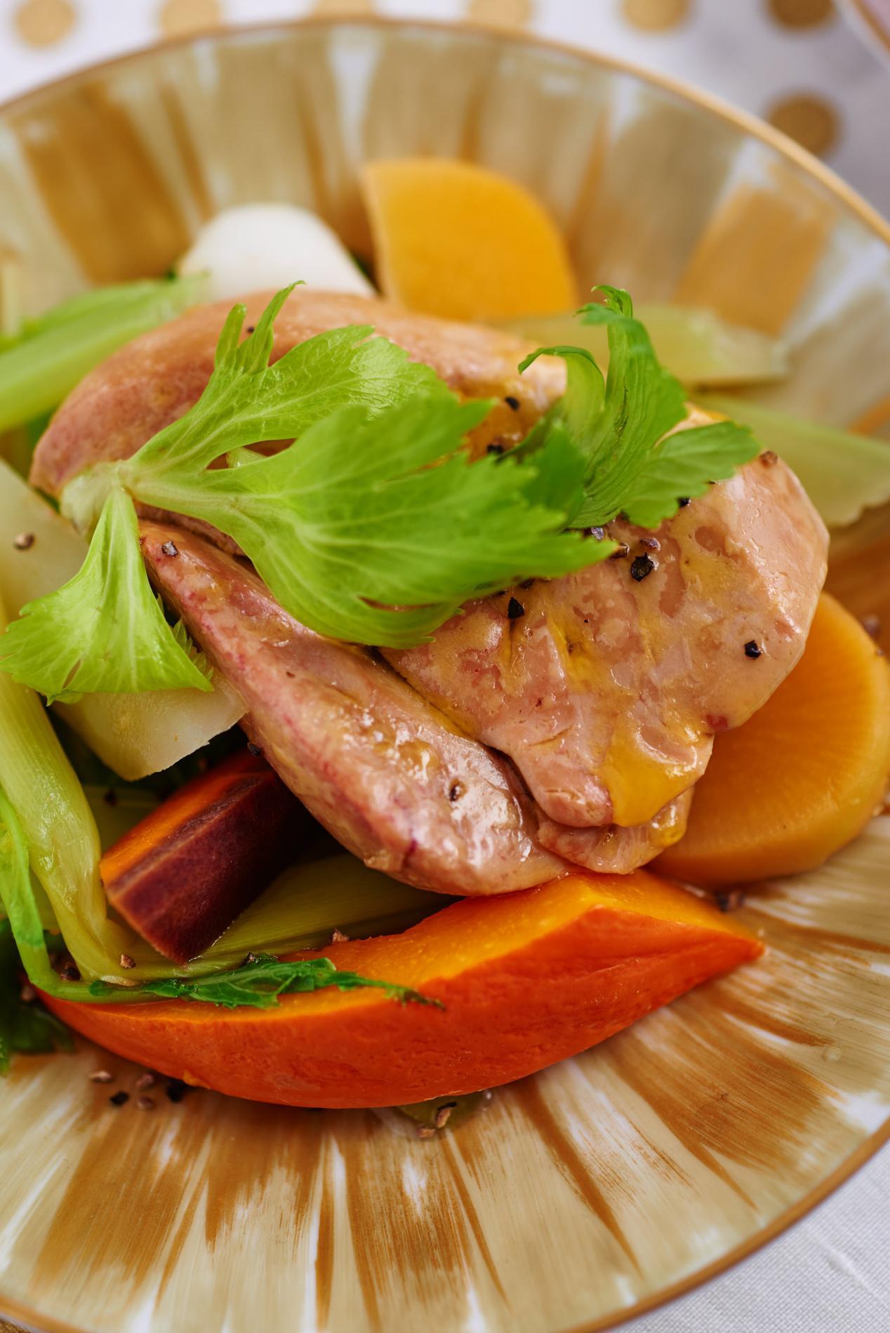 recette foie gras en pot au feu cuisine madame figaro