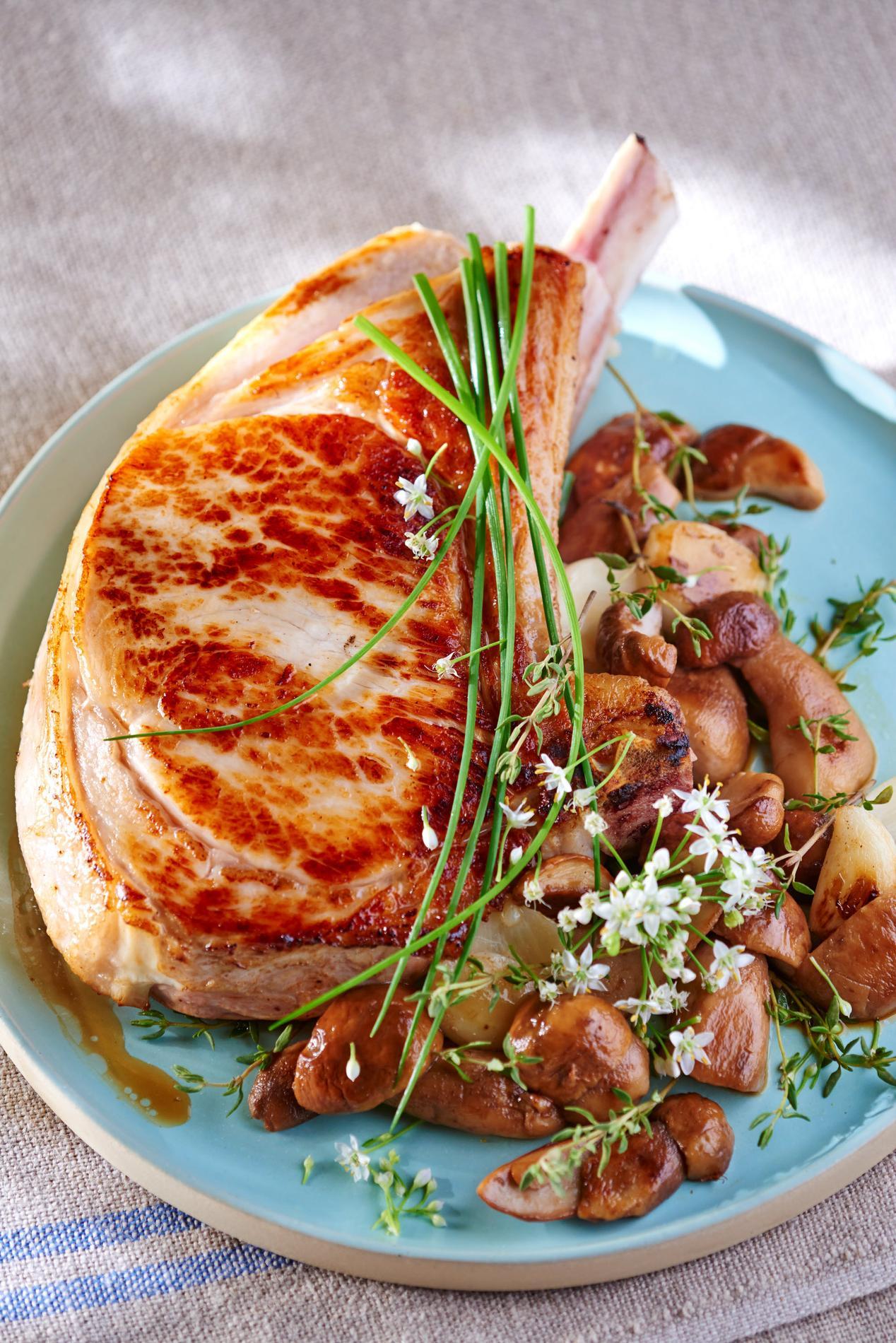 Recette c tes de veau au four cuisine madame figaro Plats cuisines sous vide pour restaurant