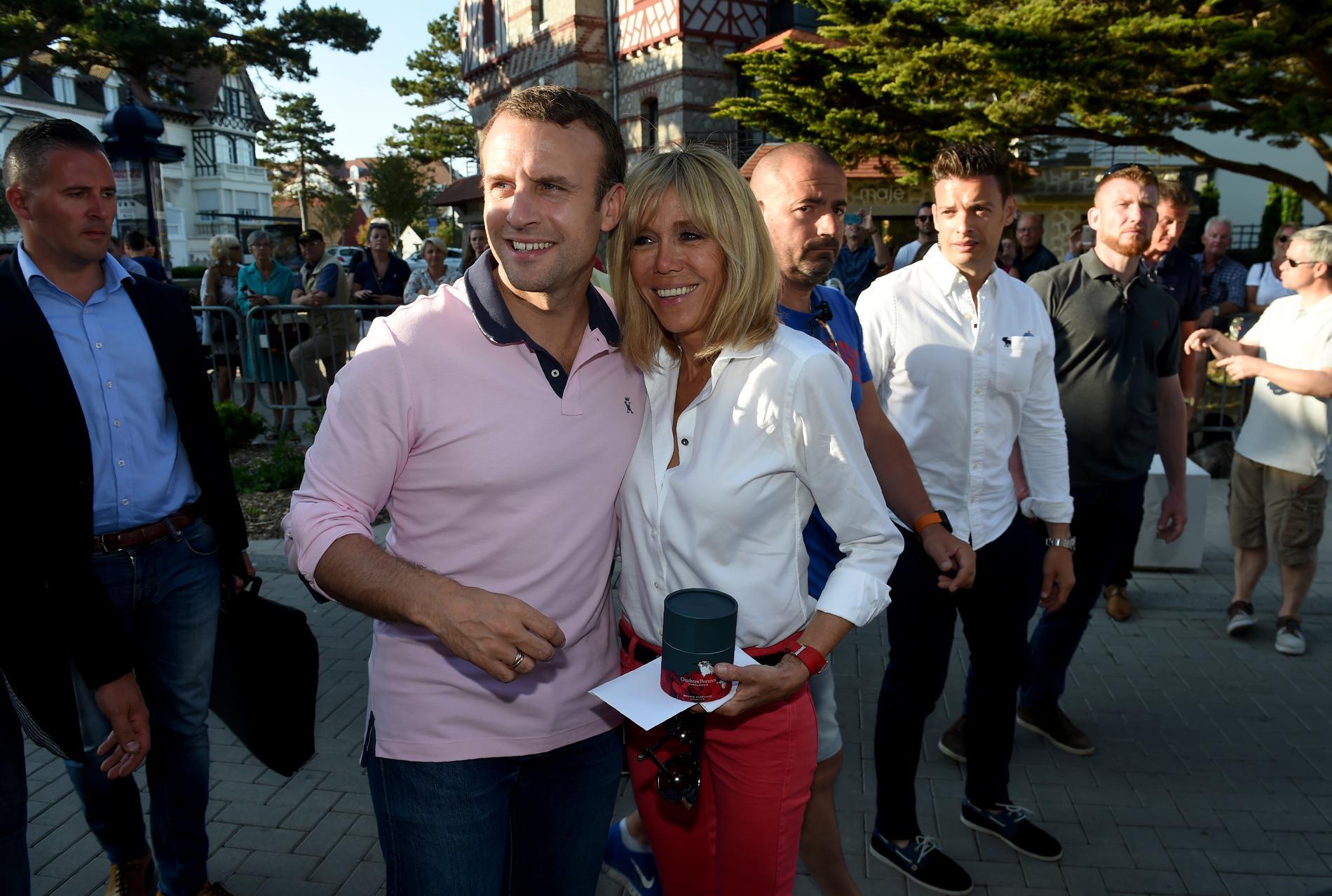 Emmanuel et Brigitte Macron célèbrent leurs 10 ans d\u0027union