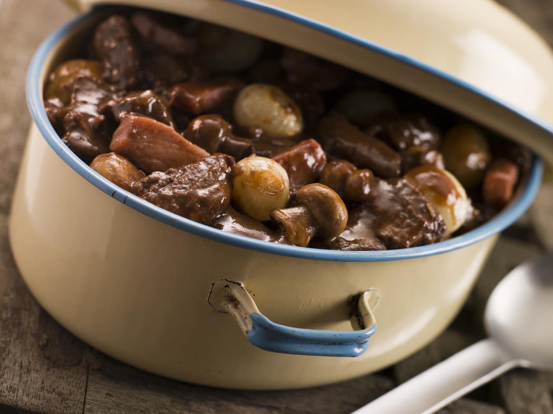 Recette le b uf bourguignon cuisine madame figaro - Livre de cuisine traditionnelle francaise ...