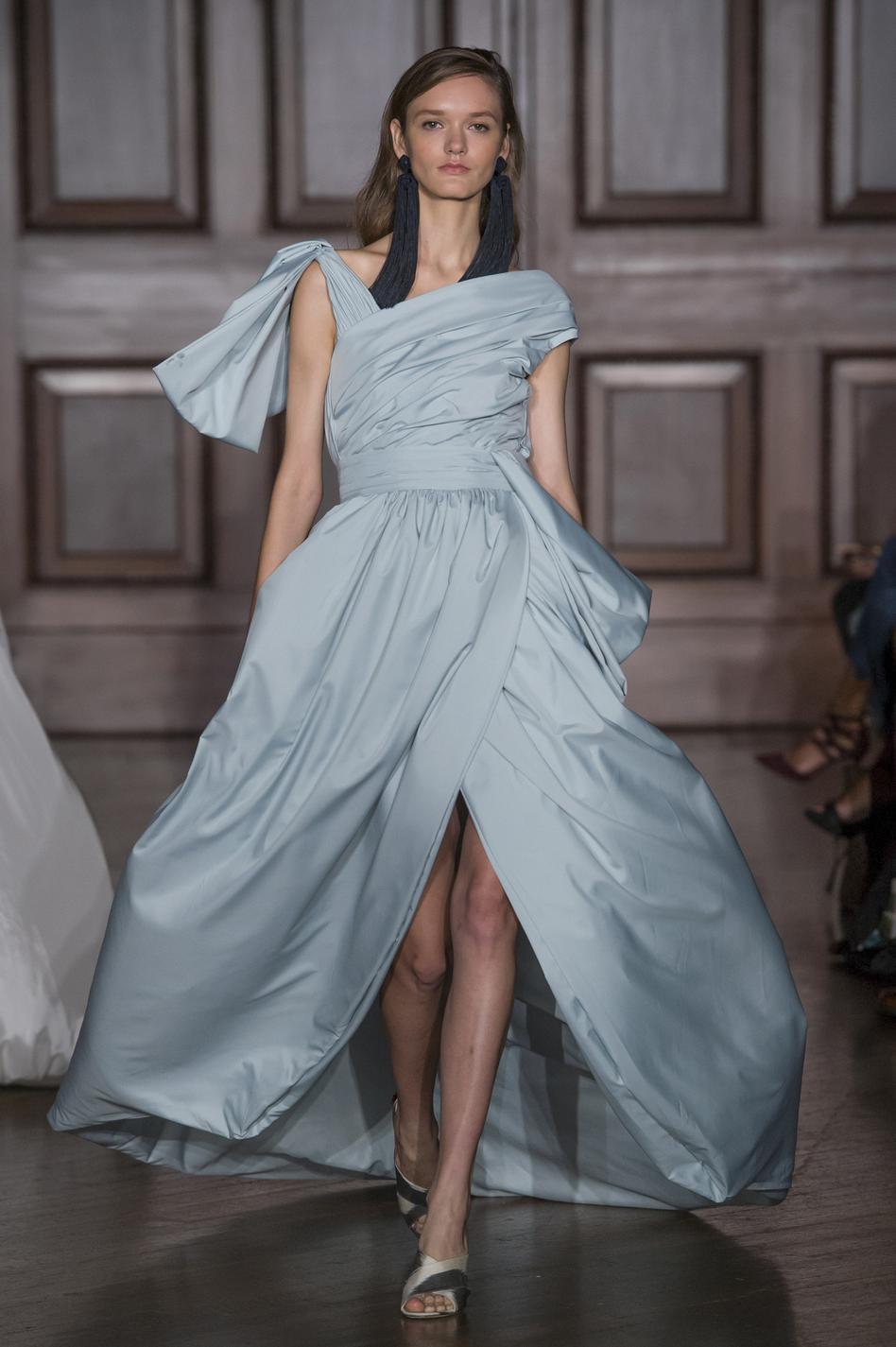 ... Les plus belles robes du soir de la Fashion Week printemps-été 2018 -  Sachin   Babi ... 4ba52fc032e
