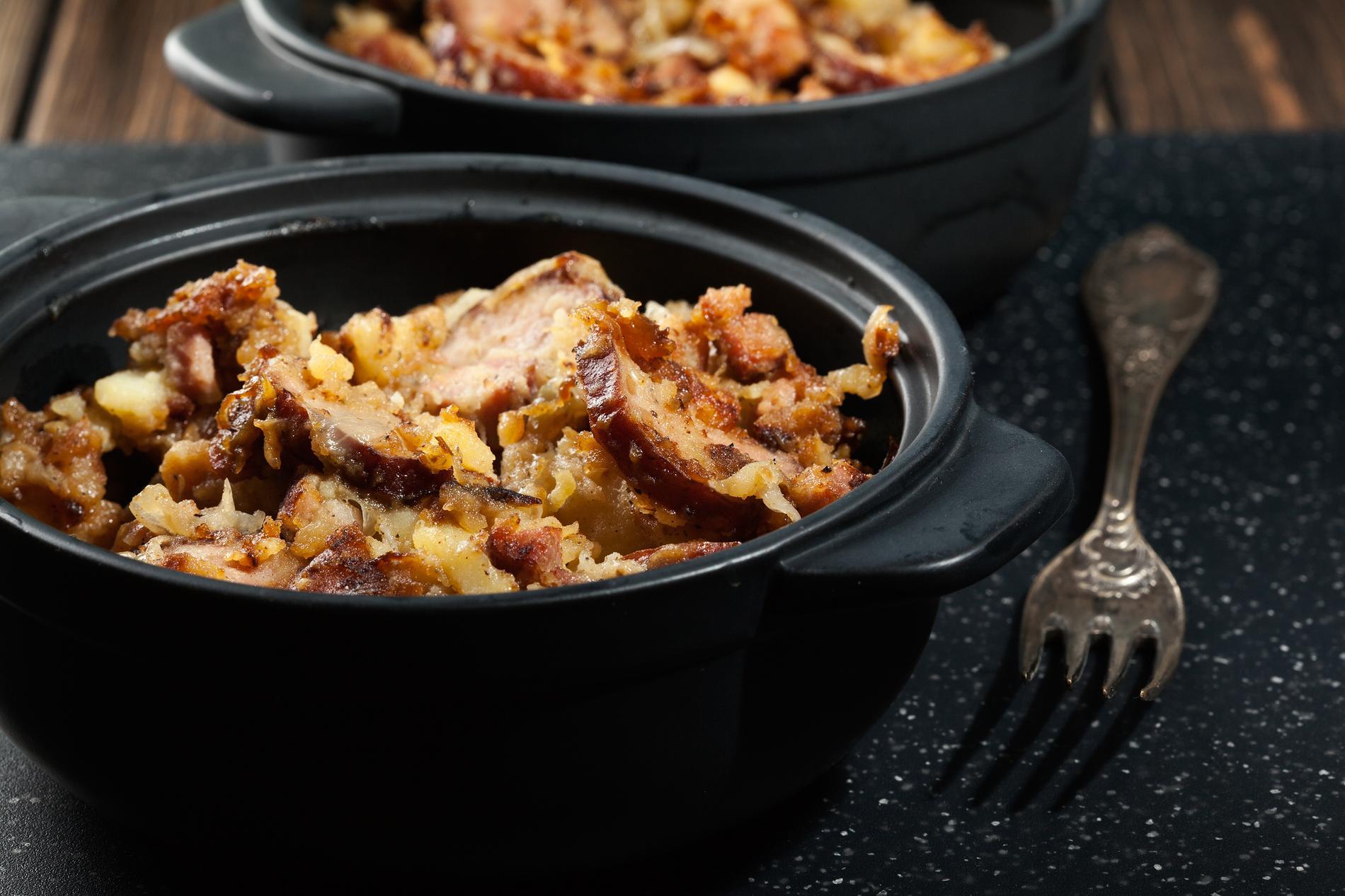recette pommes de terre croustillantes l chalote andouille de gu men cuisine madame figaro. Black Bedroom Furniture Sets. Home Design Ideas
