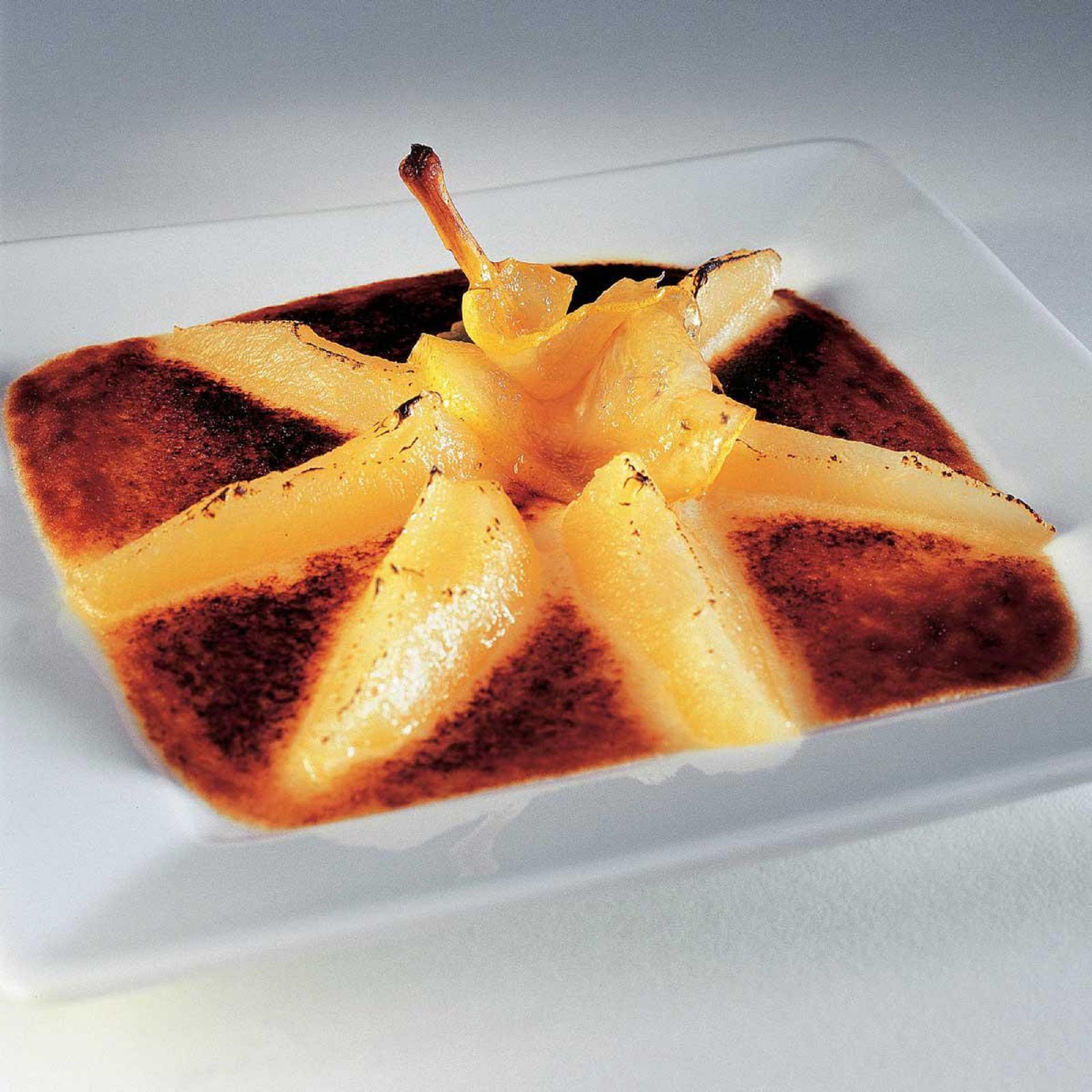 recette amandine aux poires cuisine madame figaro. Black Bedroom Furniture Sets. Home Design Ideas