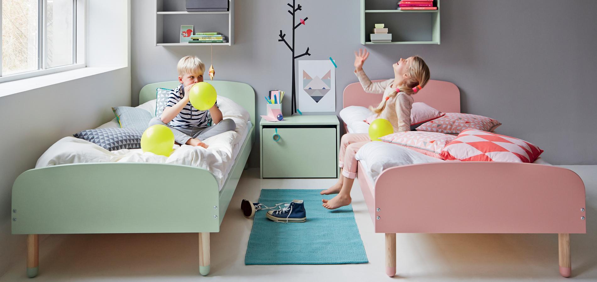 chambre partag e une d co sans clich pour une fratrie mixte madame figaro. Black Bedroom Furniture Sets. Home Design Ideas