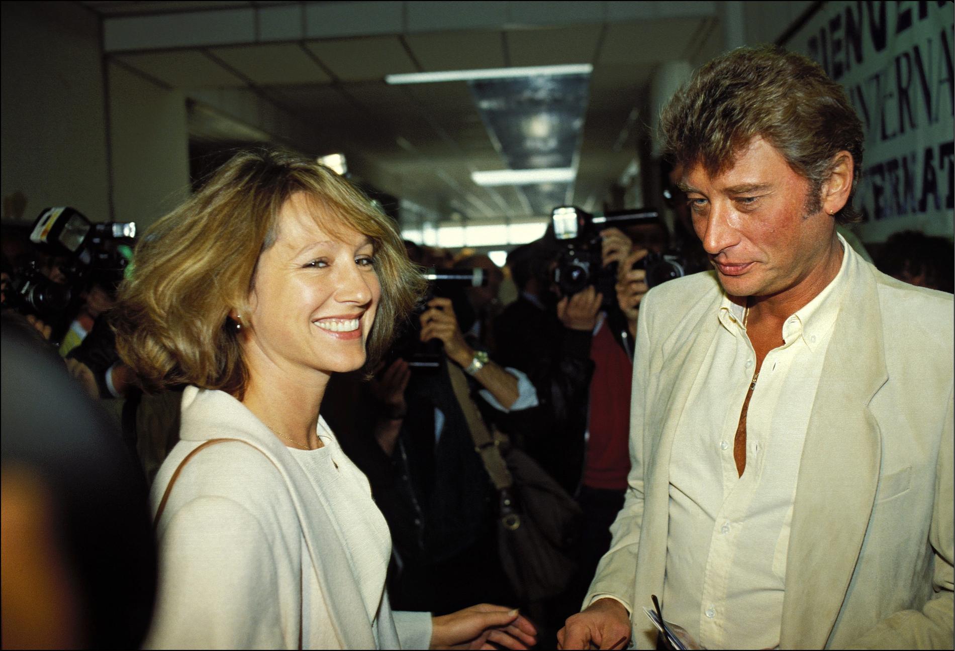 Nanette Workman Et Johnny Hallyday >> Johnny et les femmes, une grande histoire d'amour - Madame Figaro
