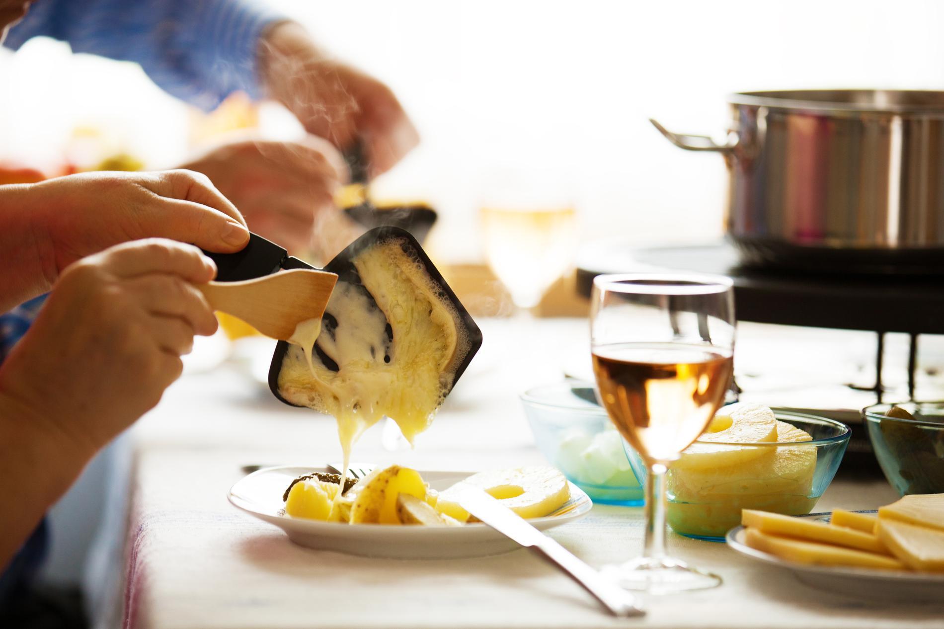 Les Secrets D Une Raclette Parfaite Cuisine Madame Figaro