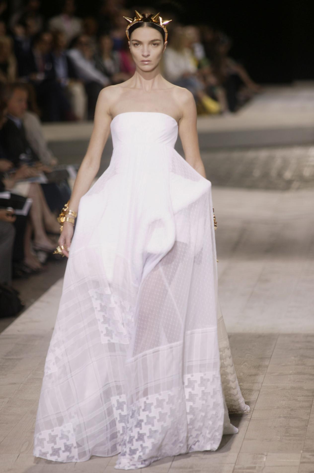 Les robes de mariée les plus mémorables de la haute couture , Givenchy