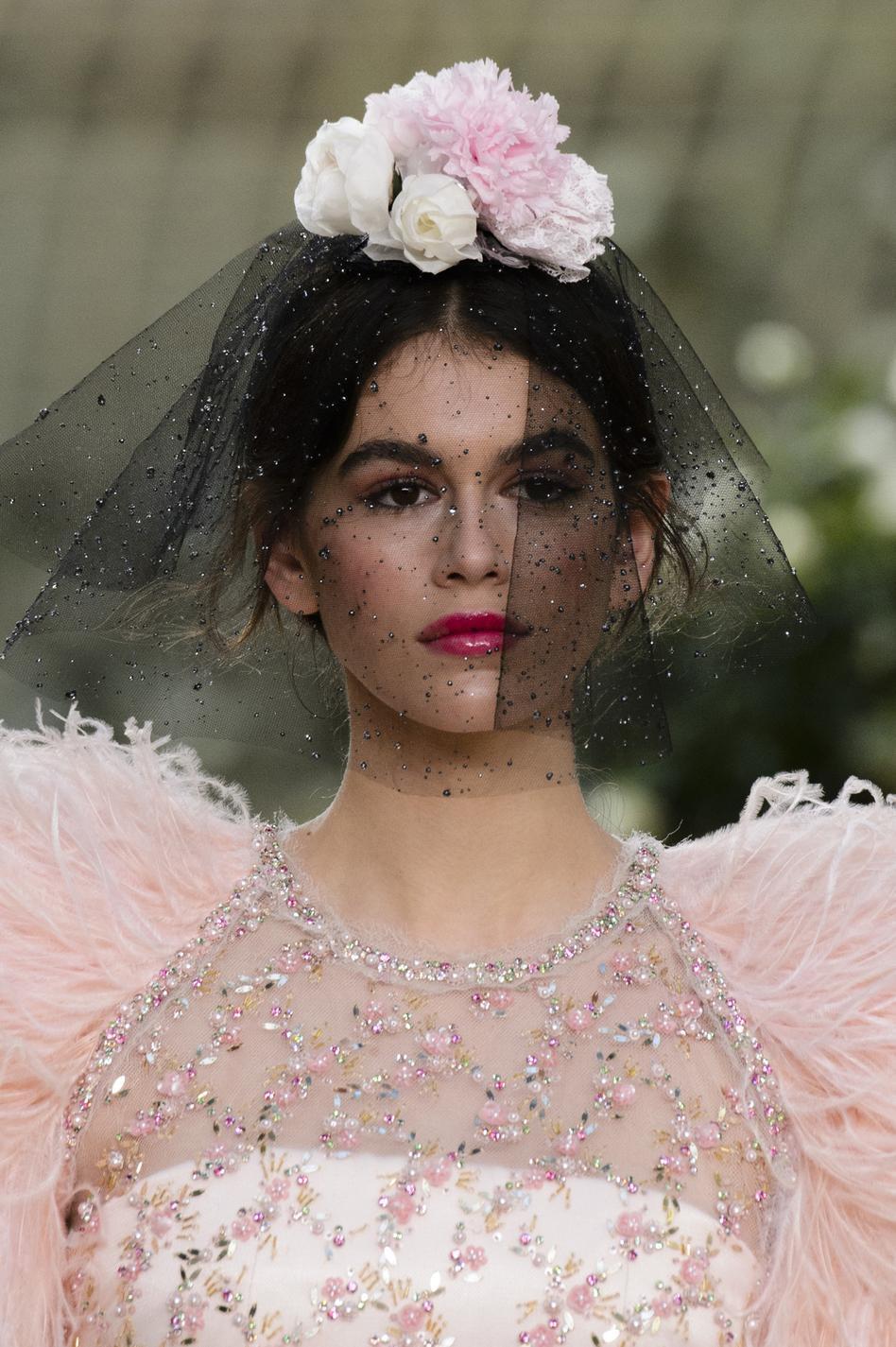Chanel dior ralph russo la voilette envo te les for Chambre de la haute couture