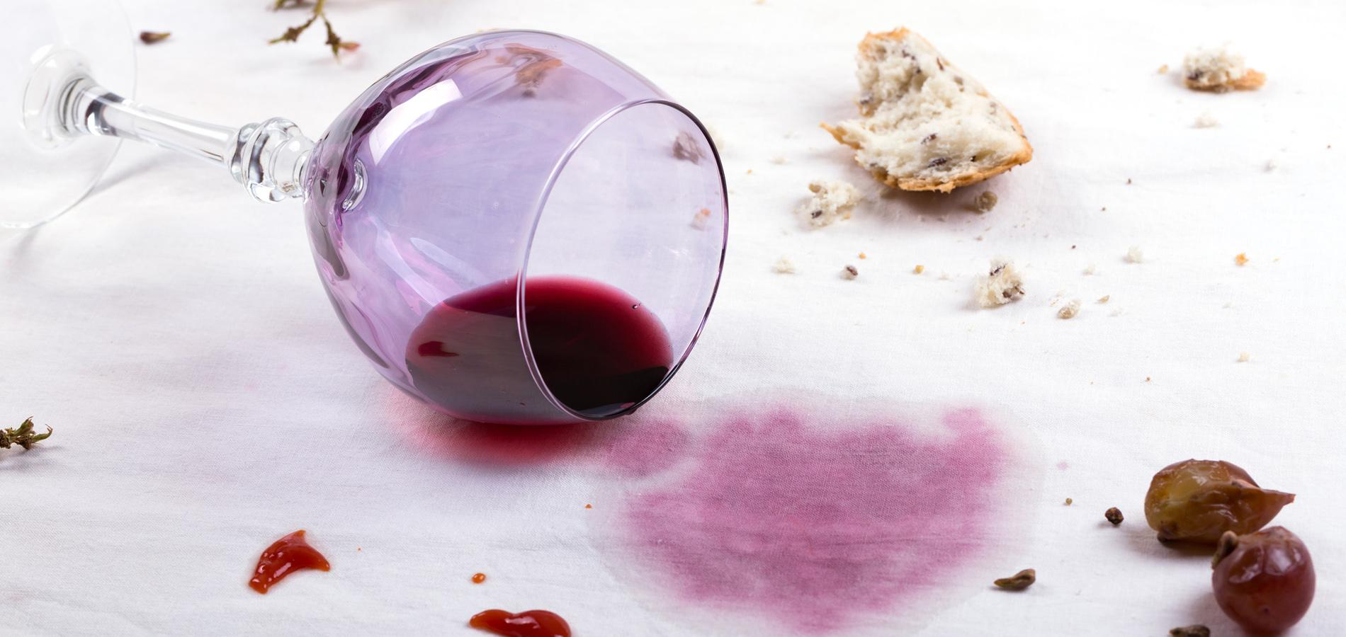 pain l envers couteaux crois s vin renvers quand les superstitions s 39 invitent table. Black Bedroom Furniture Sets. Home Design Ideas