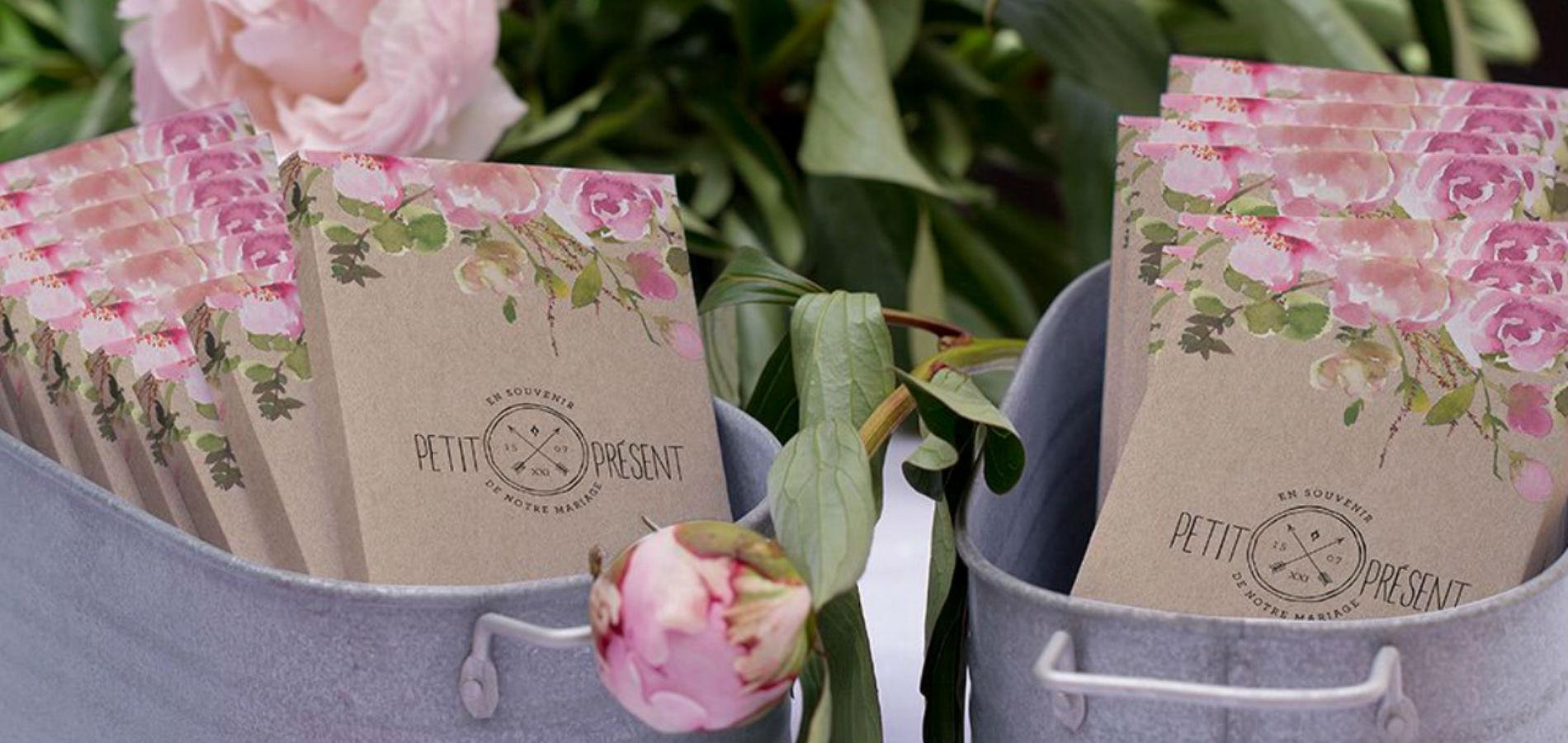 Le fabricant de faire-part Cotton Bird propose une large gamme de carnets  personnalisables à offrir aux invités. Difficile de ne pas trouver son  bonheur. 17c1a10cb33